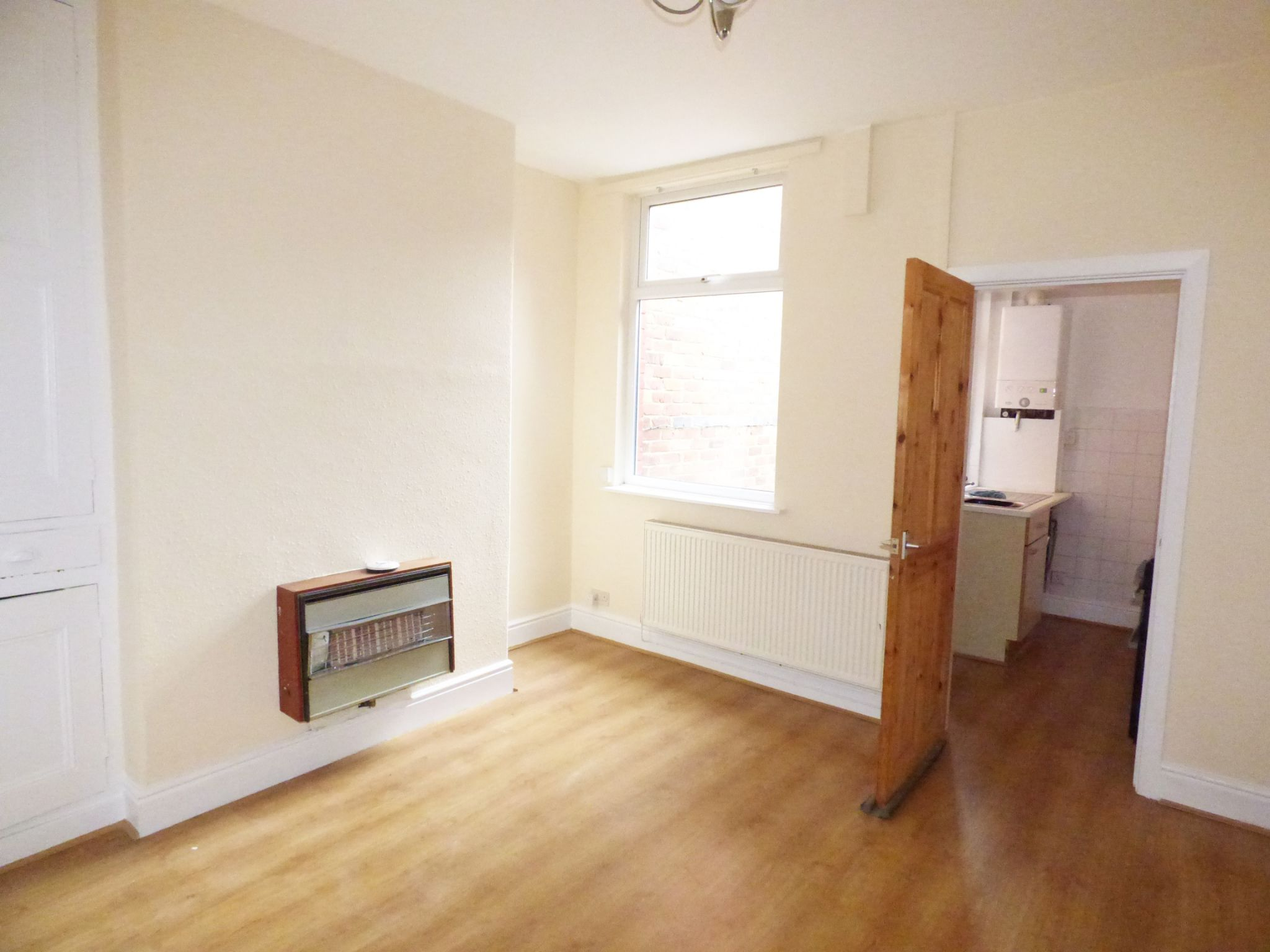 2 Bedroom Mid Terraced House - Dining Room
