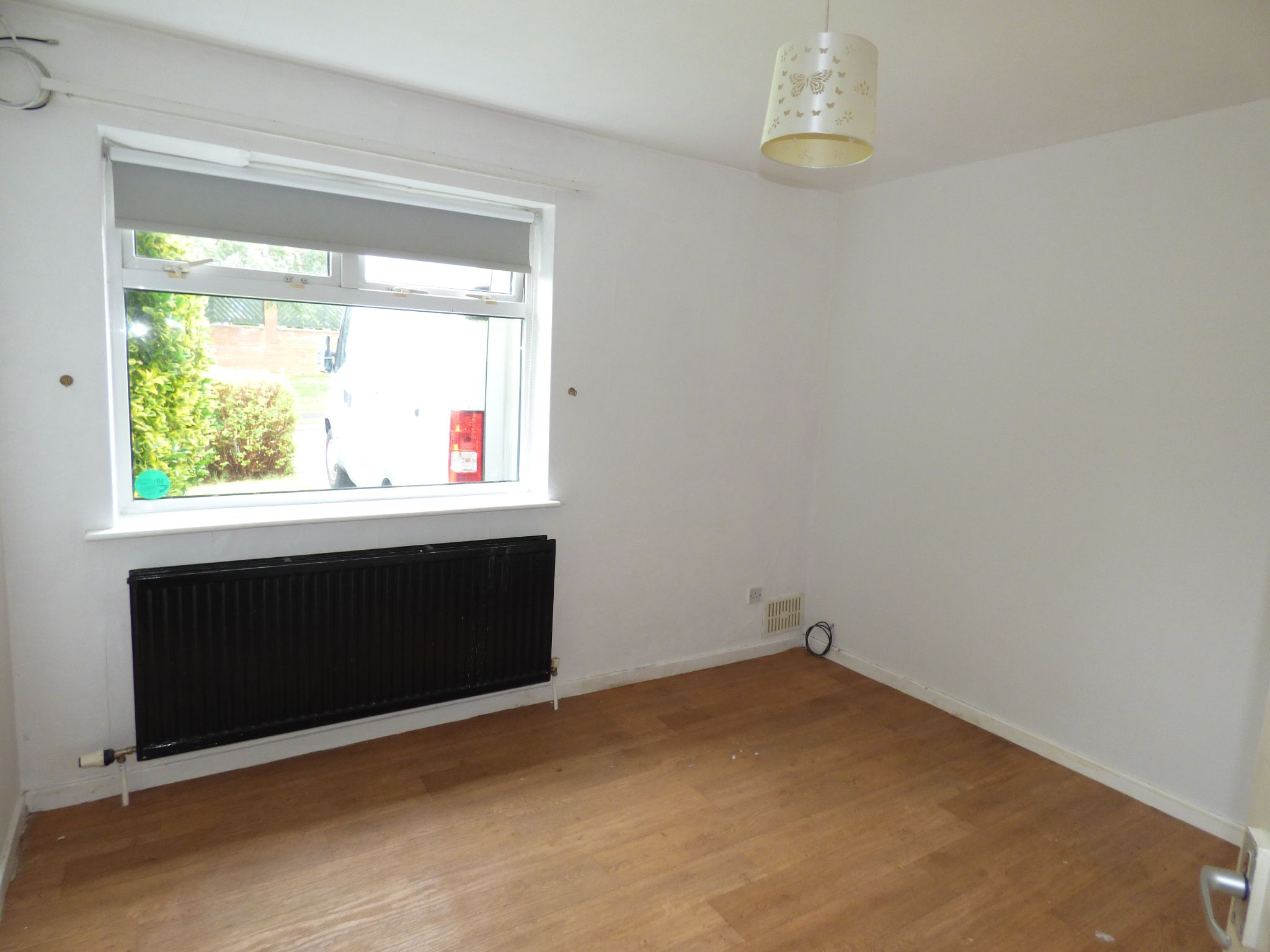 3 Bedroom Detached Bungalow For Sale - Photograph 8