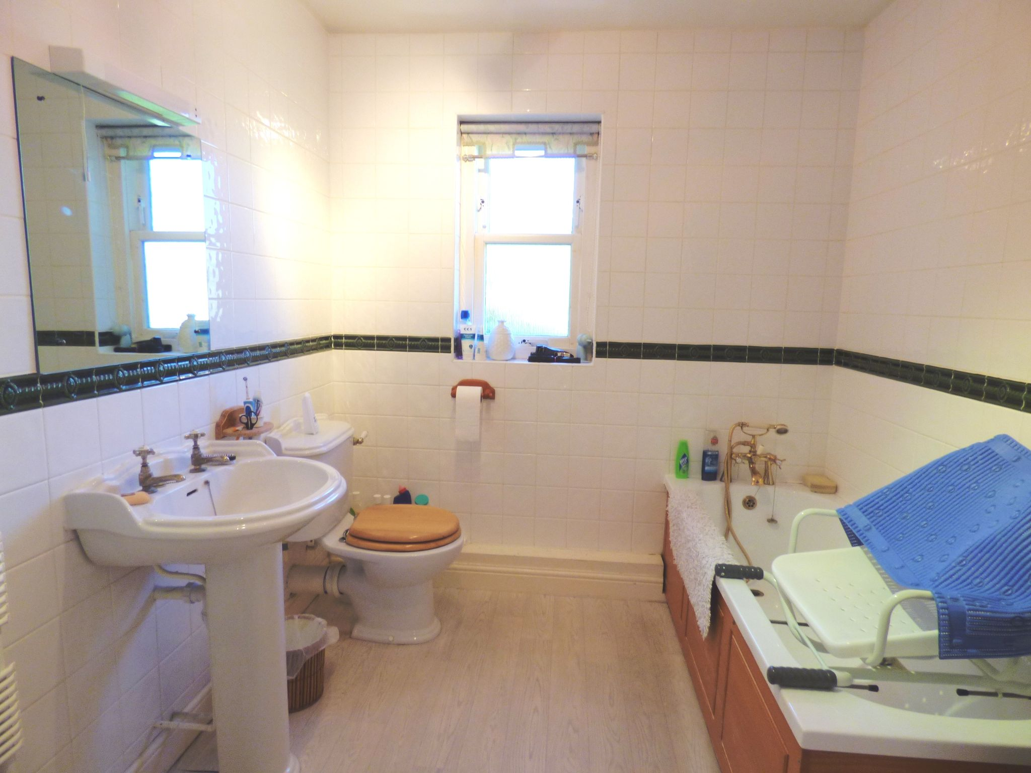 5 Bedroom Mews House For Sale - Photograph 22