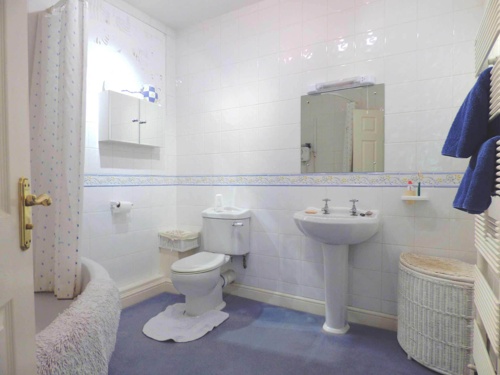 5 Bedroom Mews House For Sale - Photograph 17