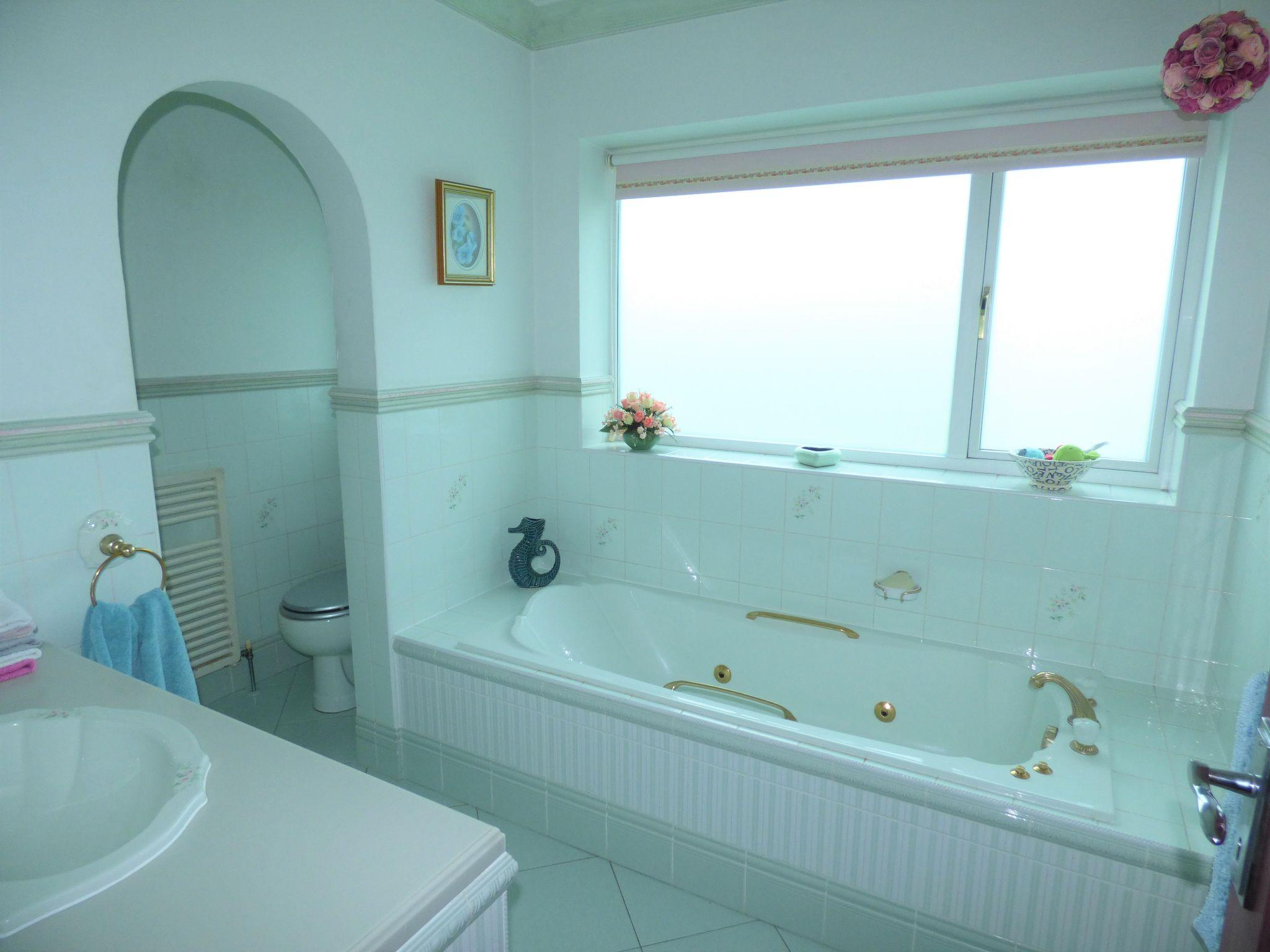 4 Bedroom Detached Bungalow For Sale - Photograph 25