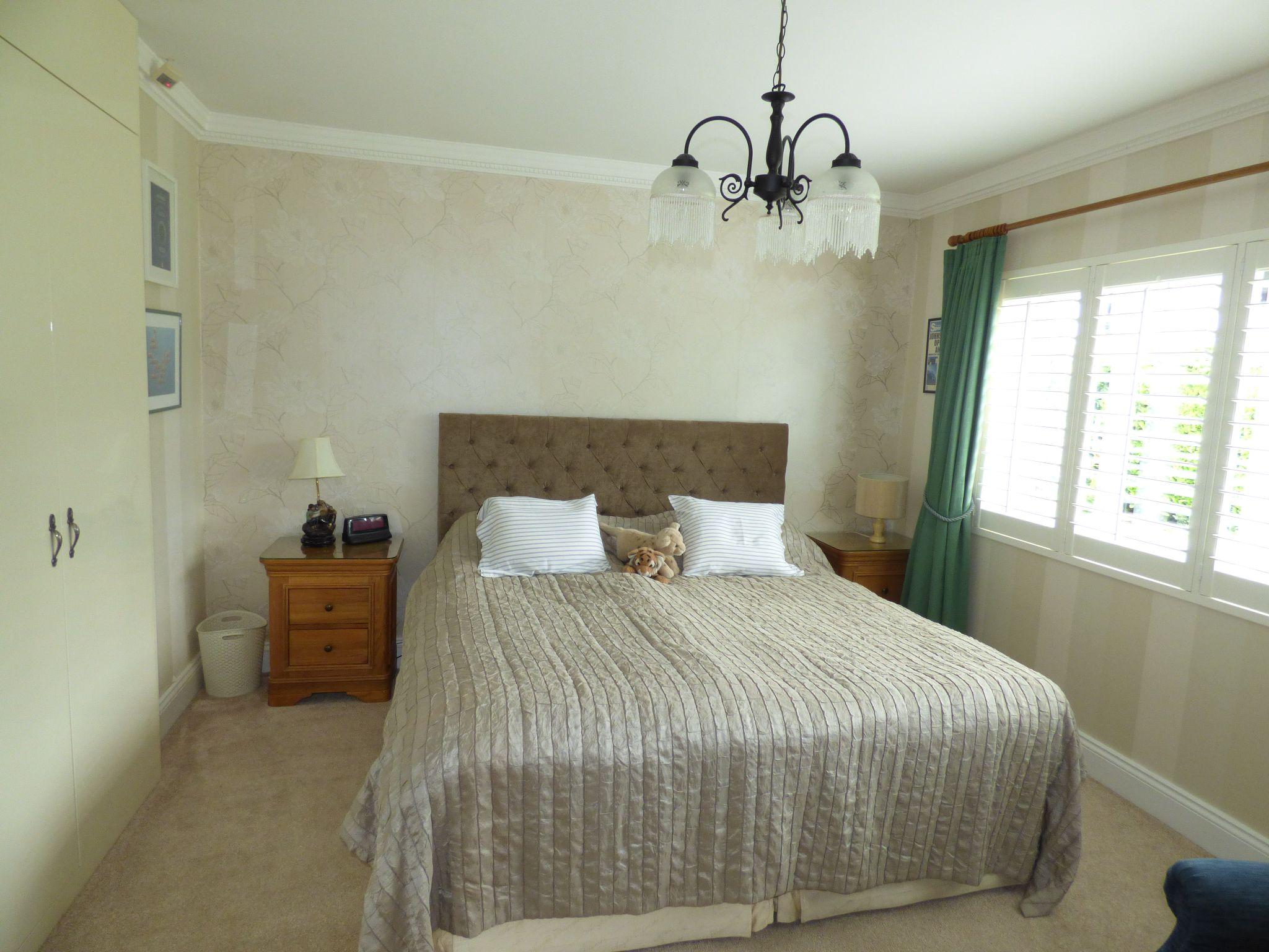 4 Bedroom Detached Bungalow For Sale - Photograph 22