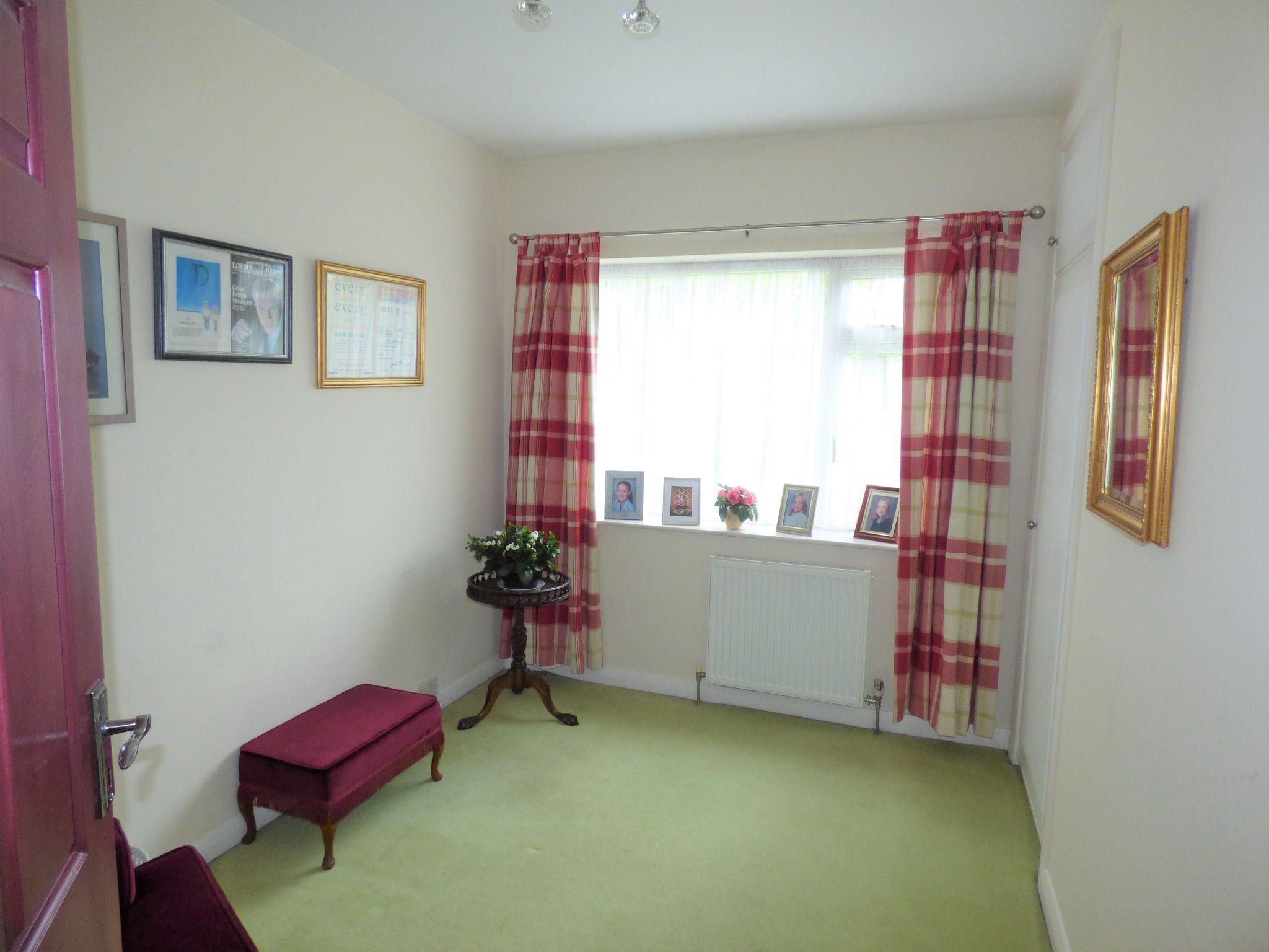 4 Bedroom Detached Bungalow For Sale - Photograph 24