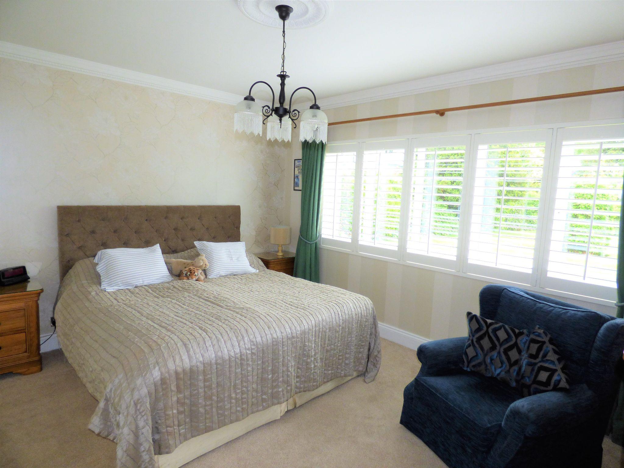 4 Bedroom Detached Bungalow For Sale - Photograph 21