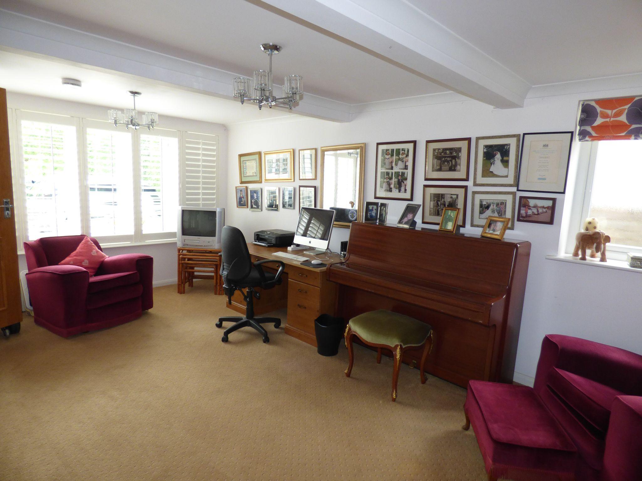 4 Bedroom Detached Bungalow For Sale - Photograph 26