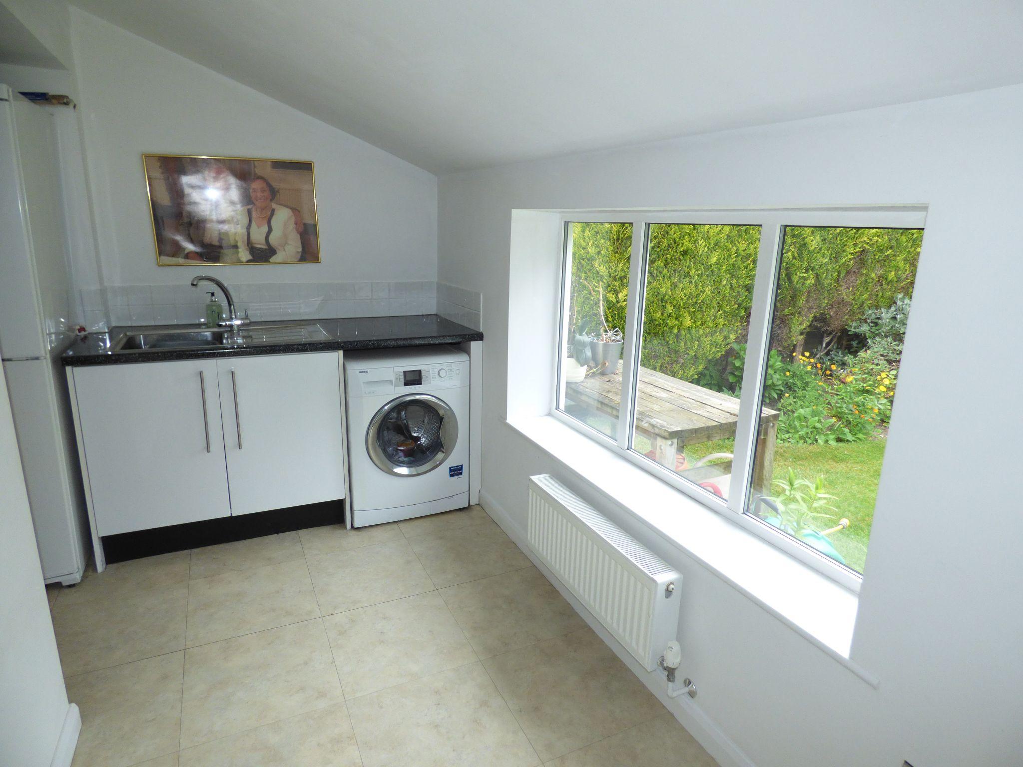4 Bedroom Detached Bungalow For Sale - Photograph 28