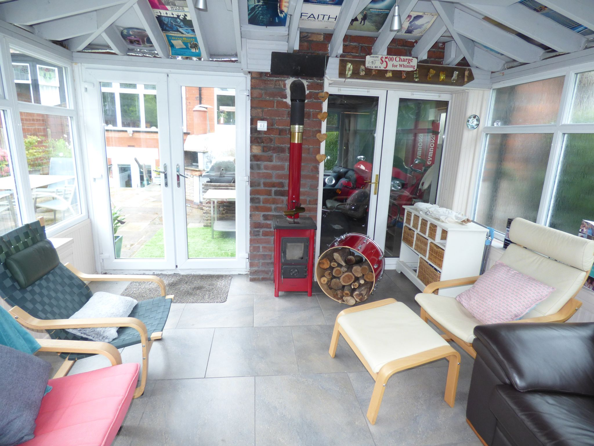 3 Bedroom Semi-detached House For Sale - Photograph 31