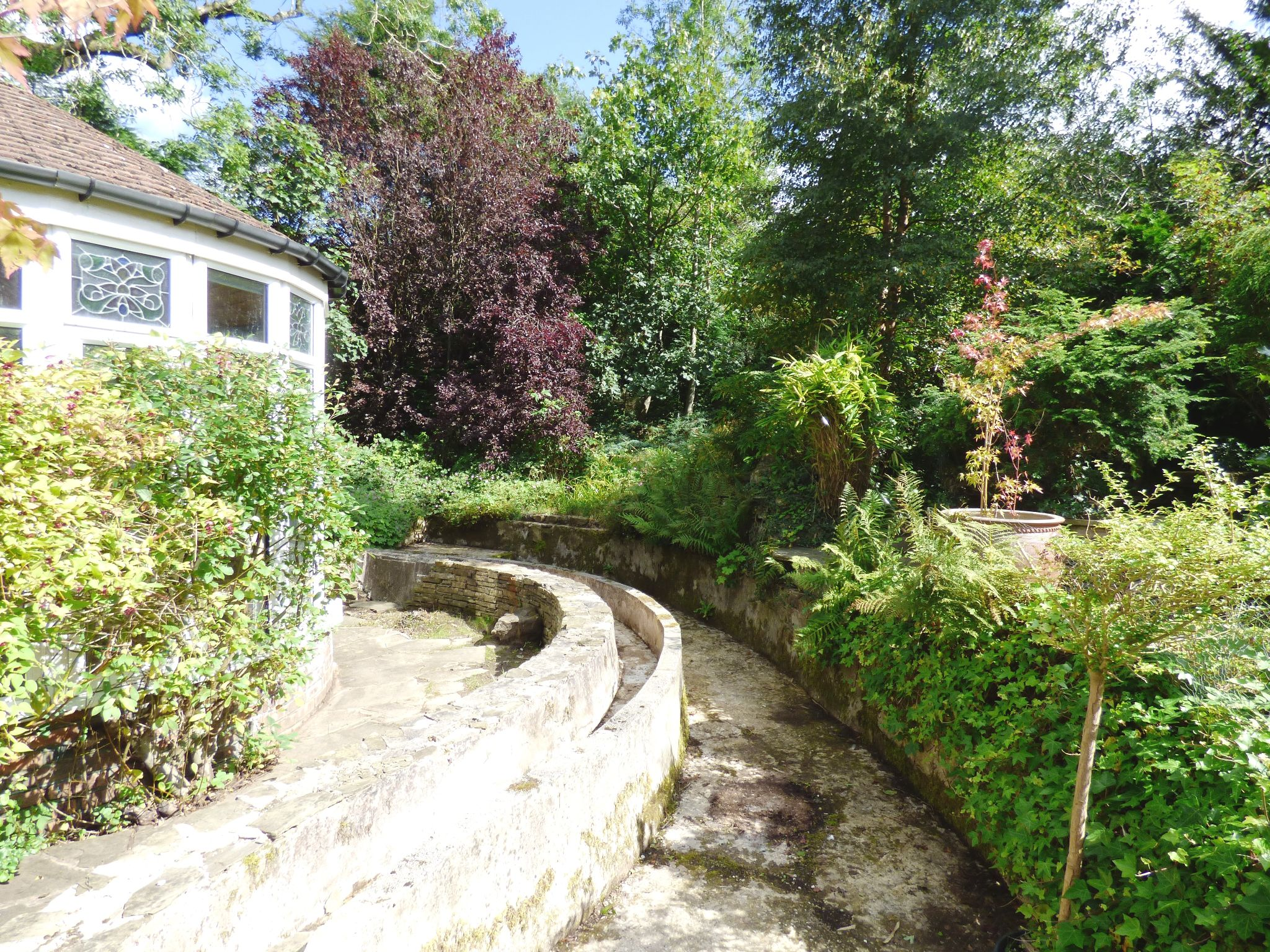 5 Bedroom Detached House For Sale - Garden Feature