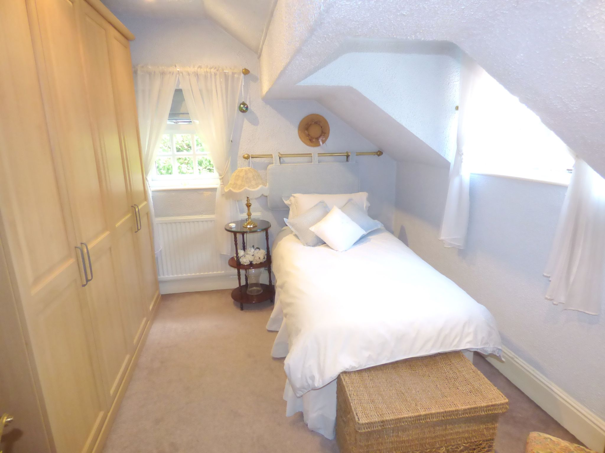 5 Bedroom Detached House For Sale - Bedroom Three