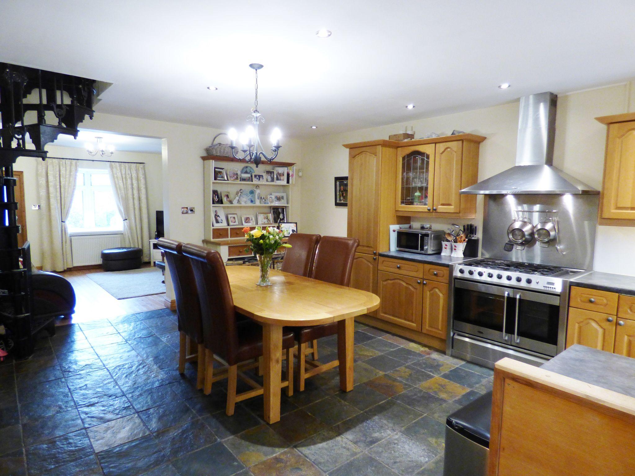 2 Bedroom Cottage House For Sale - Dining Kitchen