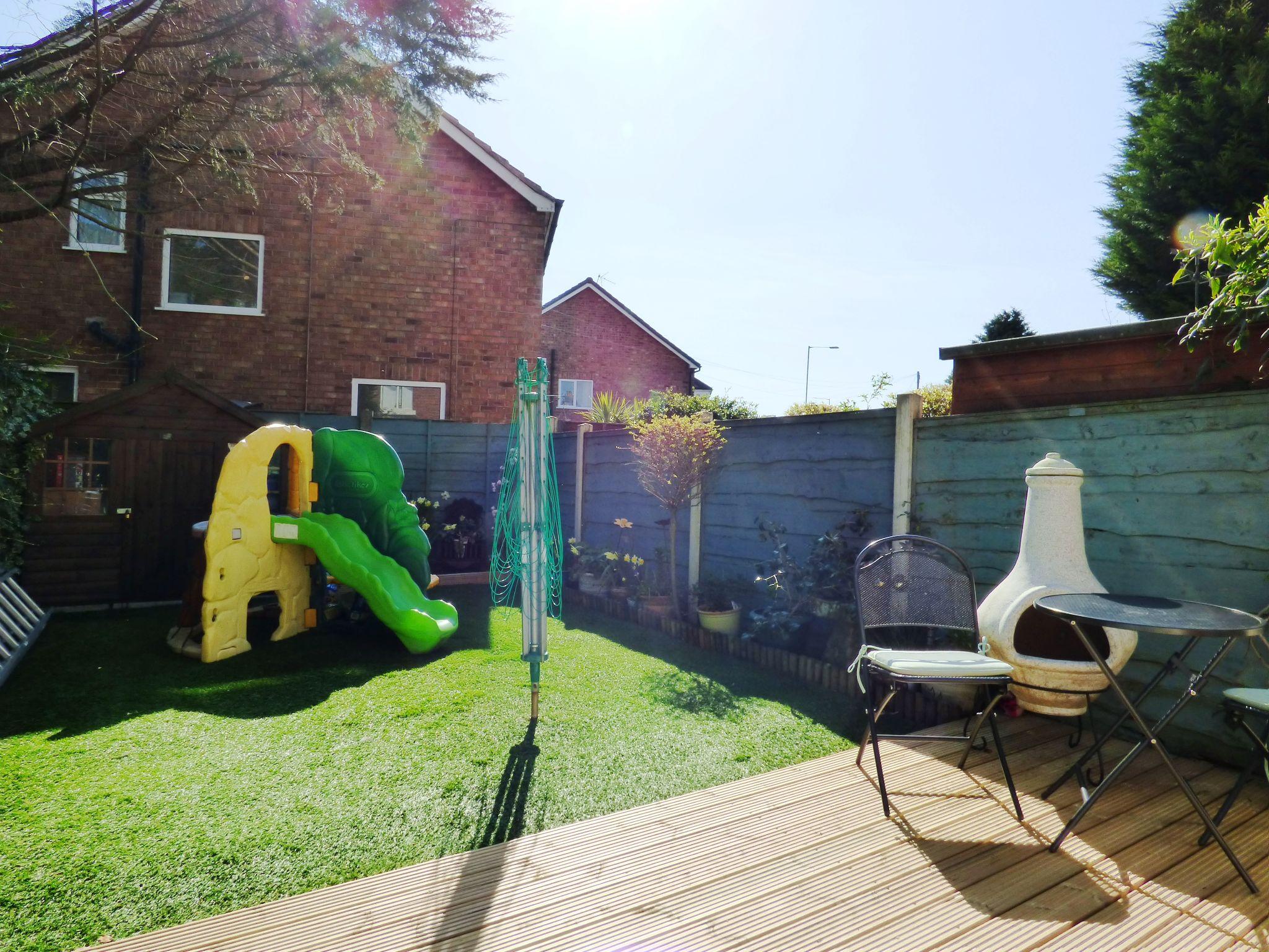 2 Bedroom Cottage House For Sale - Garden