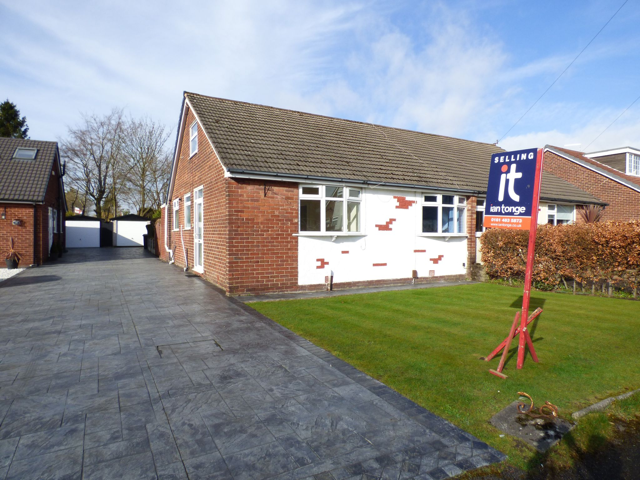 3 Bedroom Semi-detached Bungalow For Sale - Photograph 1