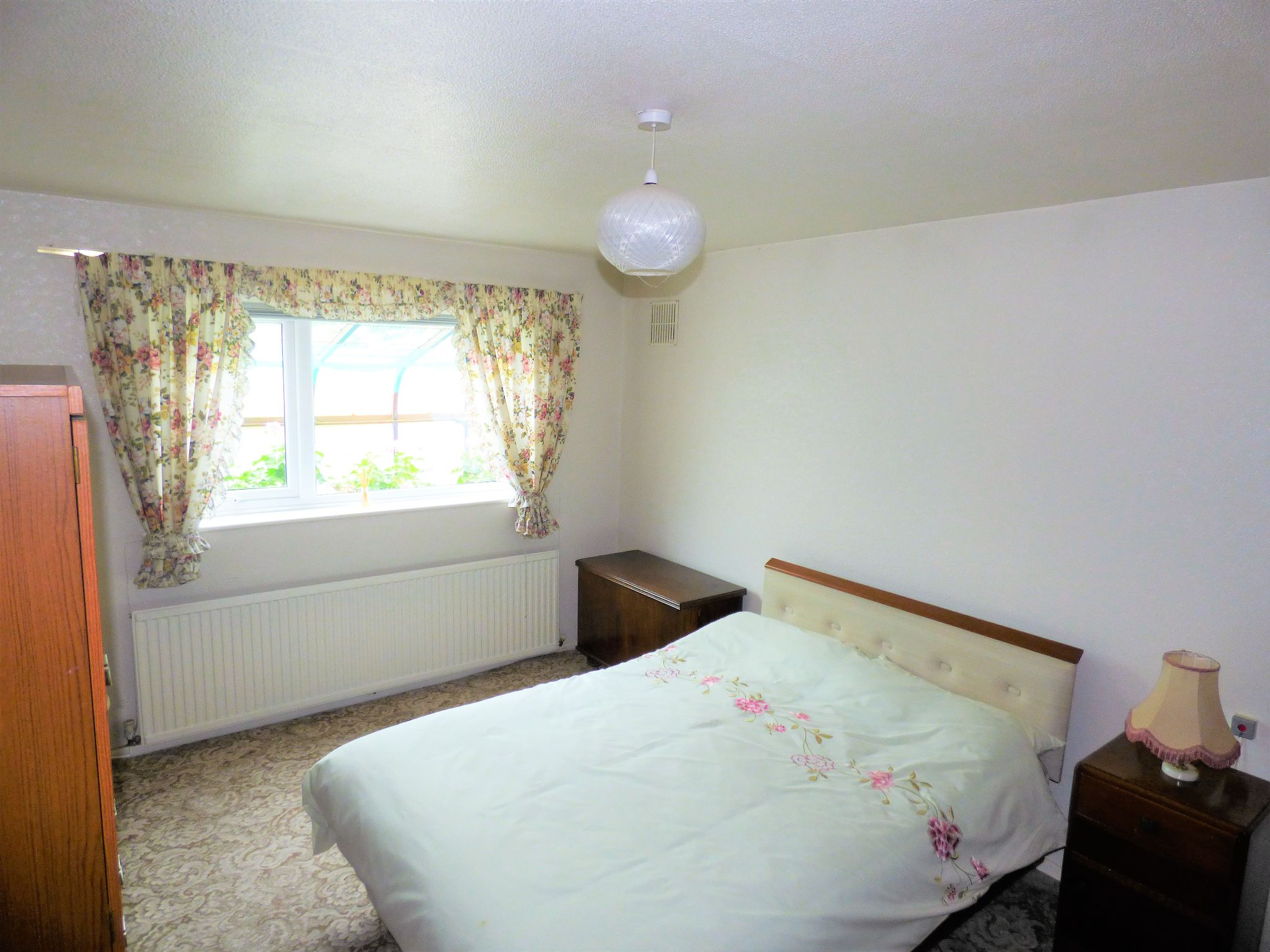 2 Bedroom Detached Bungalow For Sale - Photograph 8