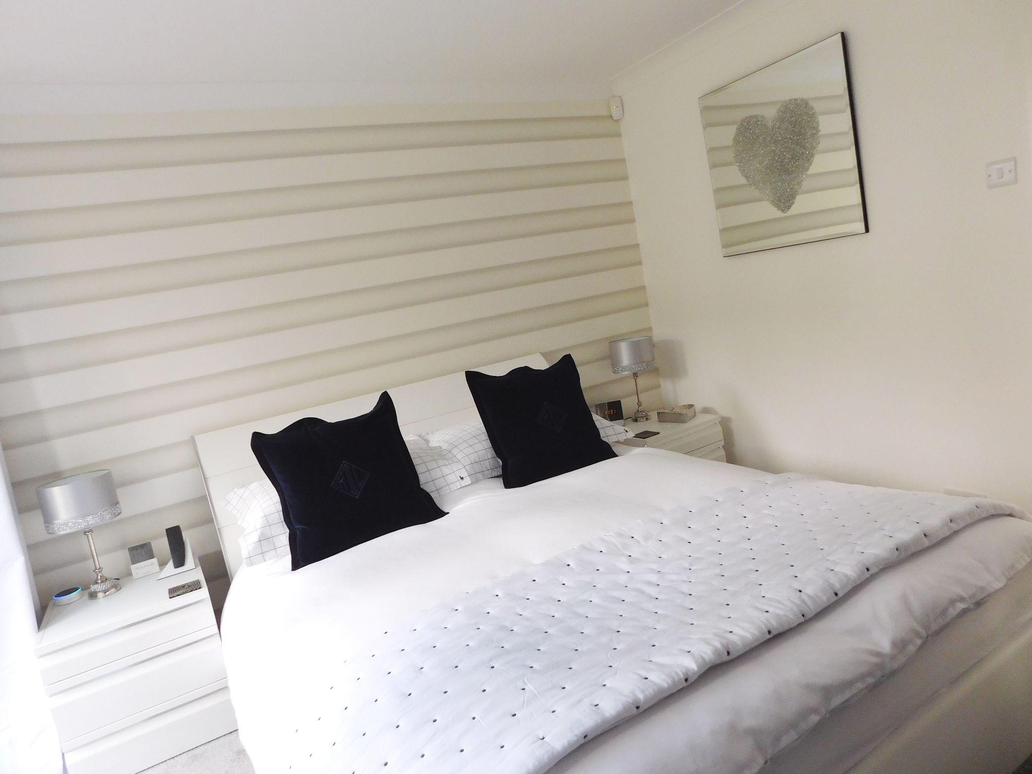 3 Bedroom Detached Bungalow For Sale - Photograph 13