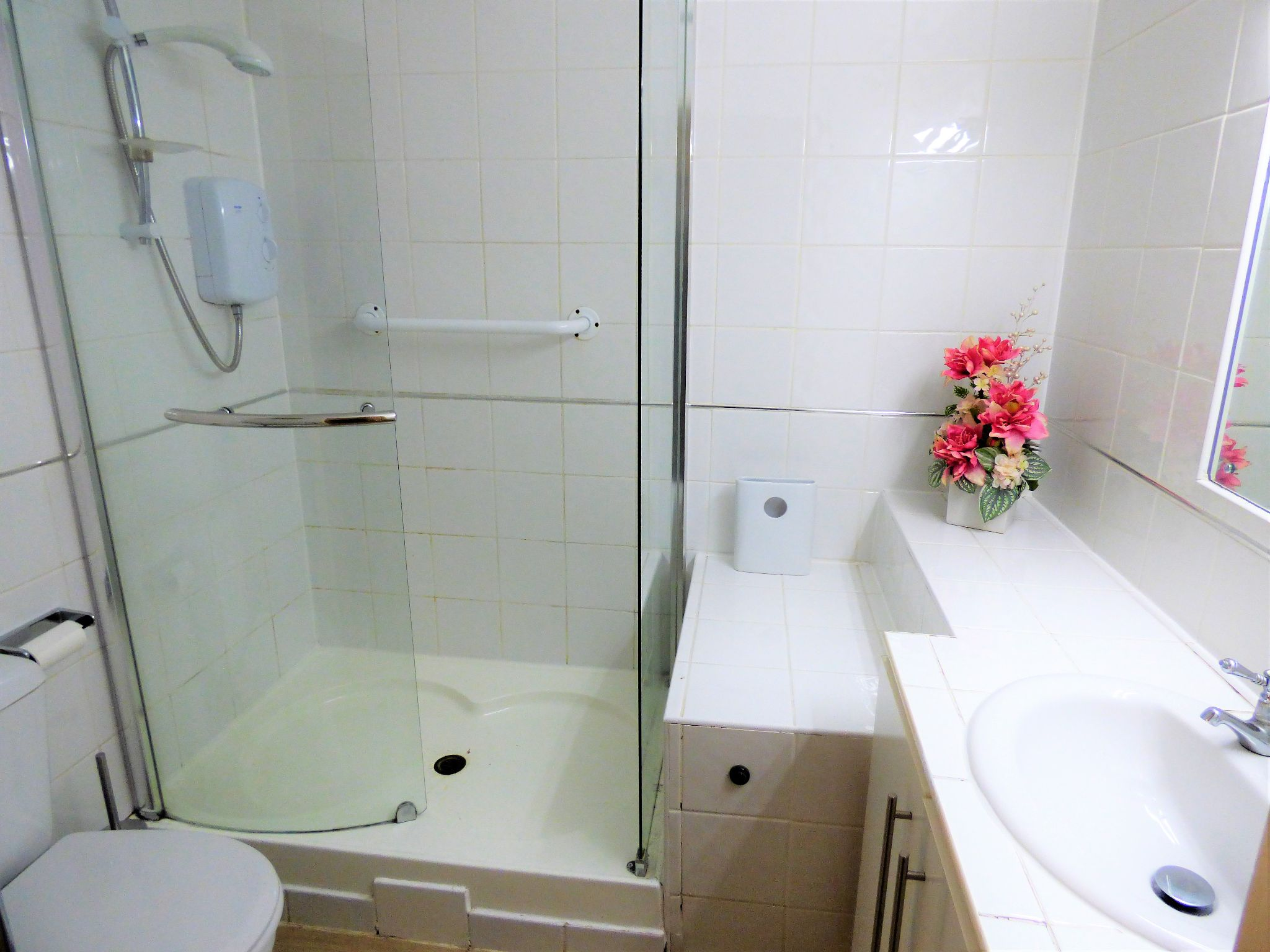1 Bedroom Flat Flat/apartment For Sale - Photograph 4