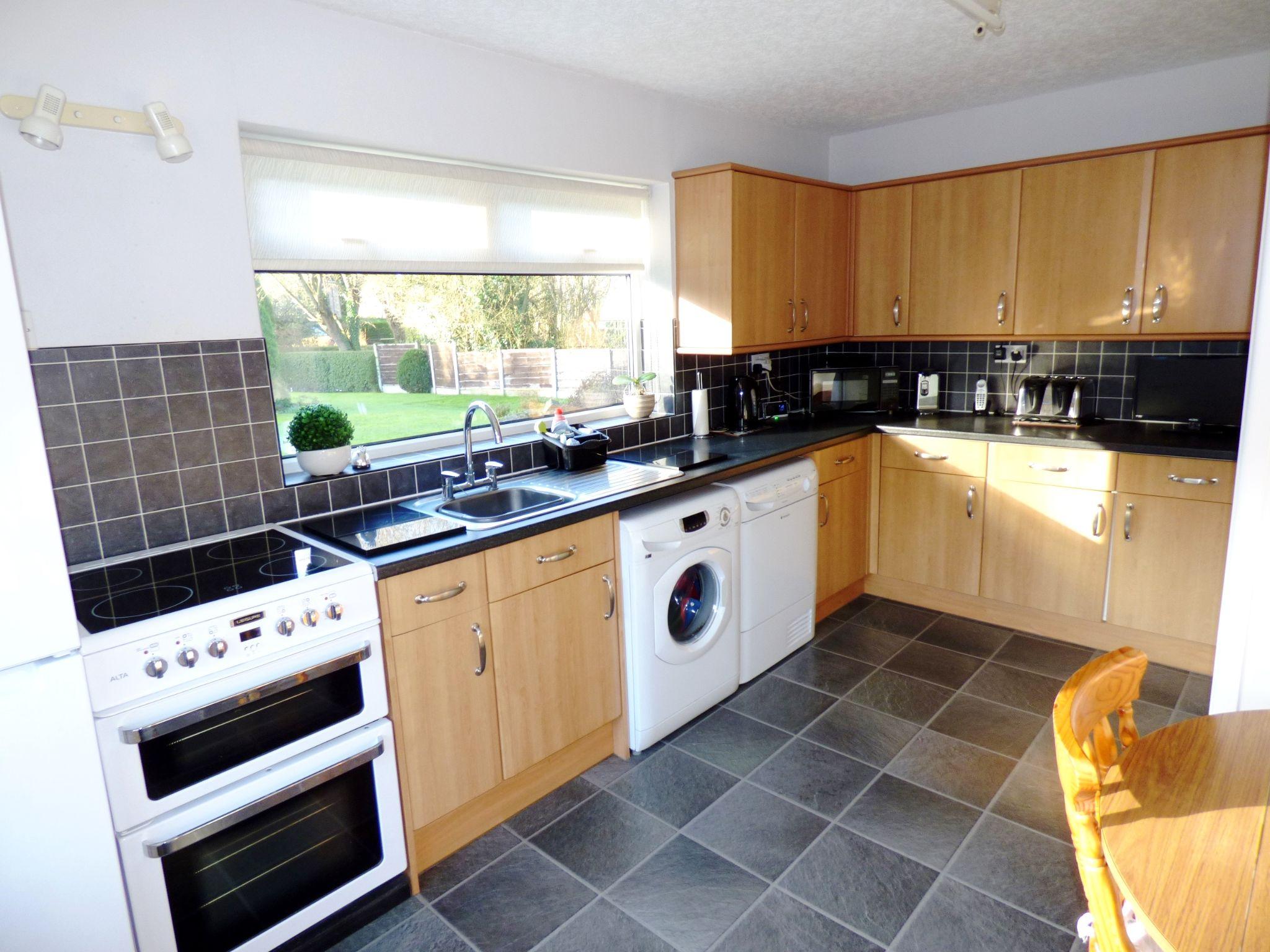 4 Bedroom Detached Bungalow For Sale - Kitchen