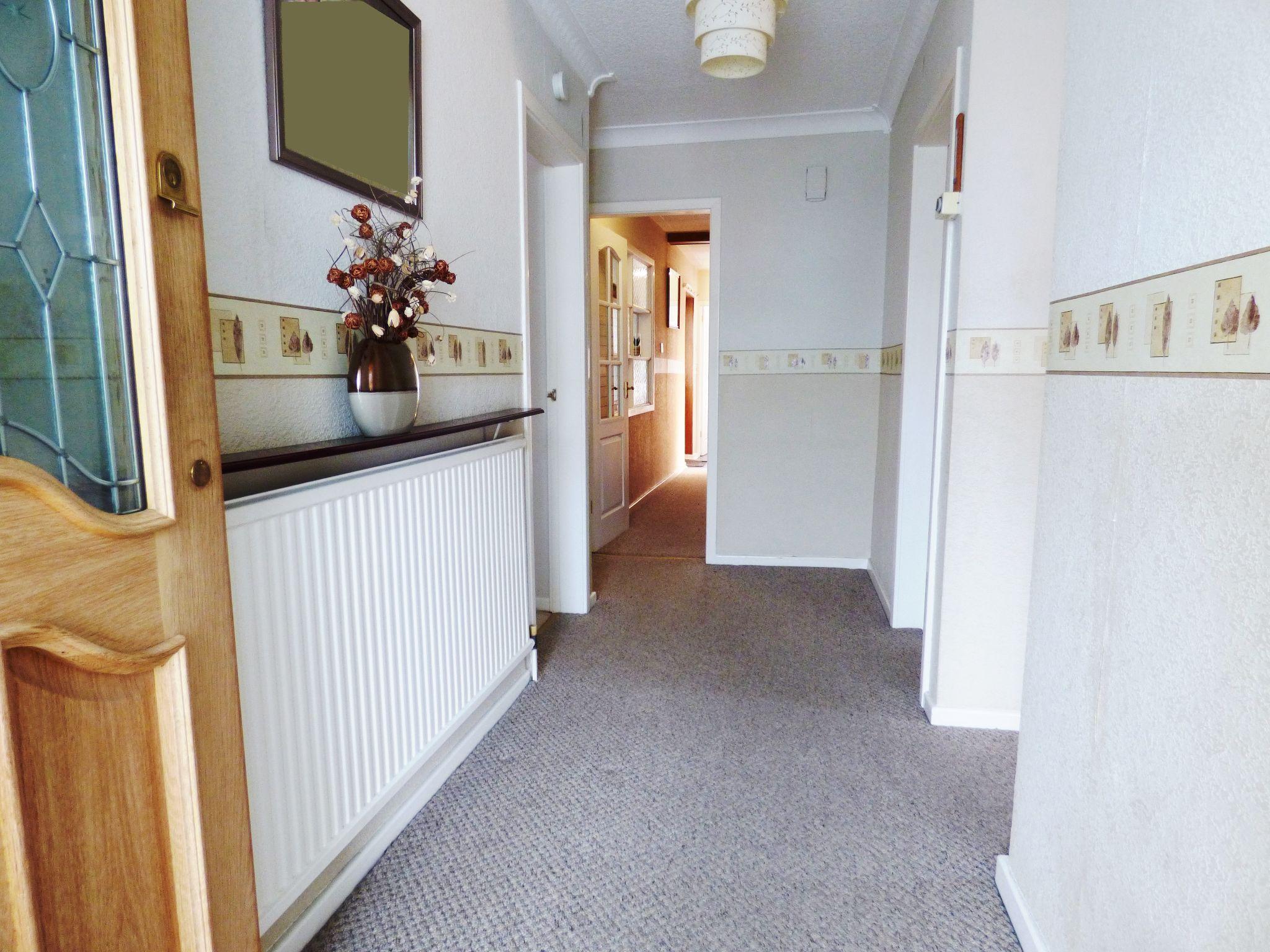 4 Bedroom Detached Bungalow For Sale - Hallway