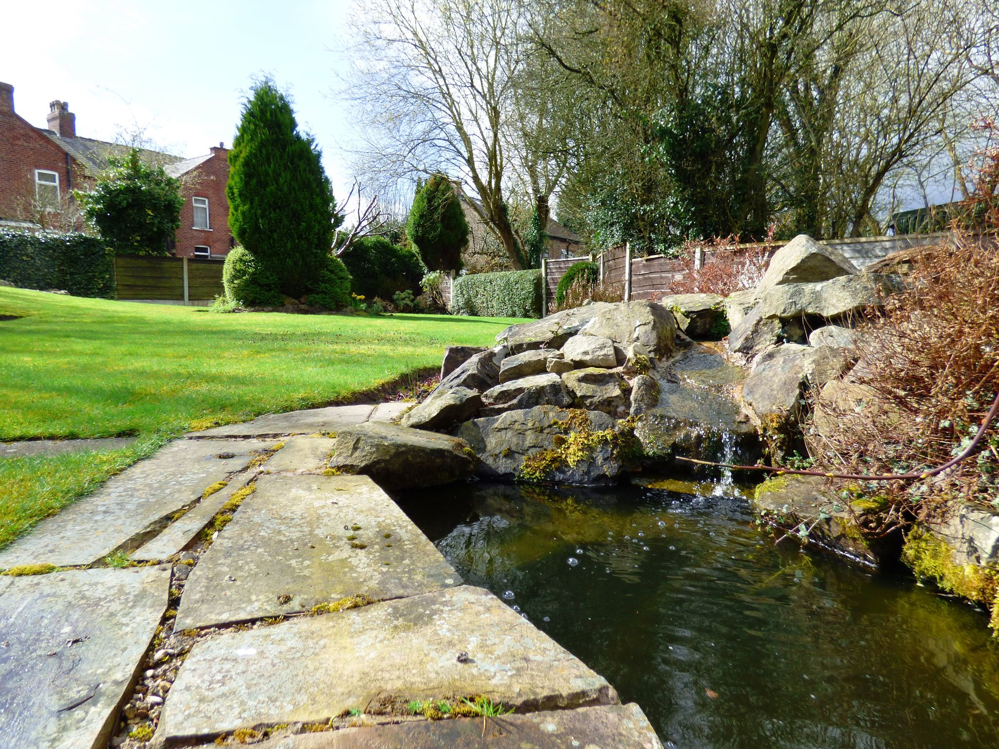 4 Bedroom Detached Bungalow For Sale - Water Feature