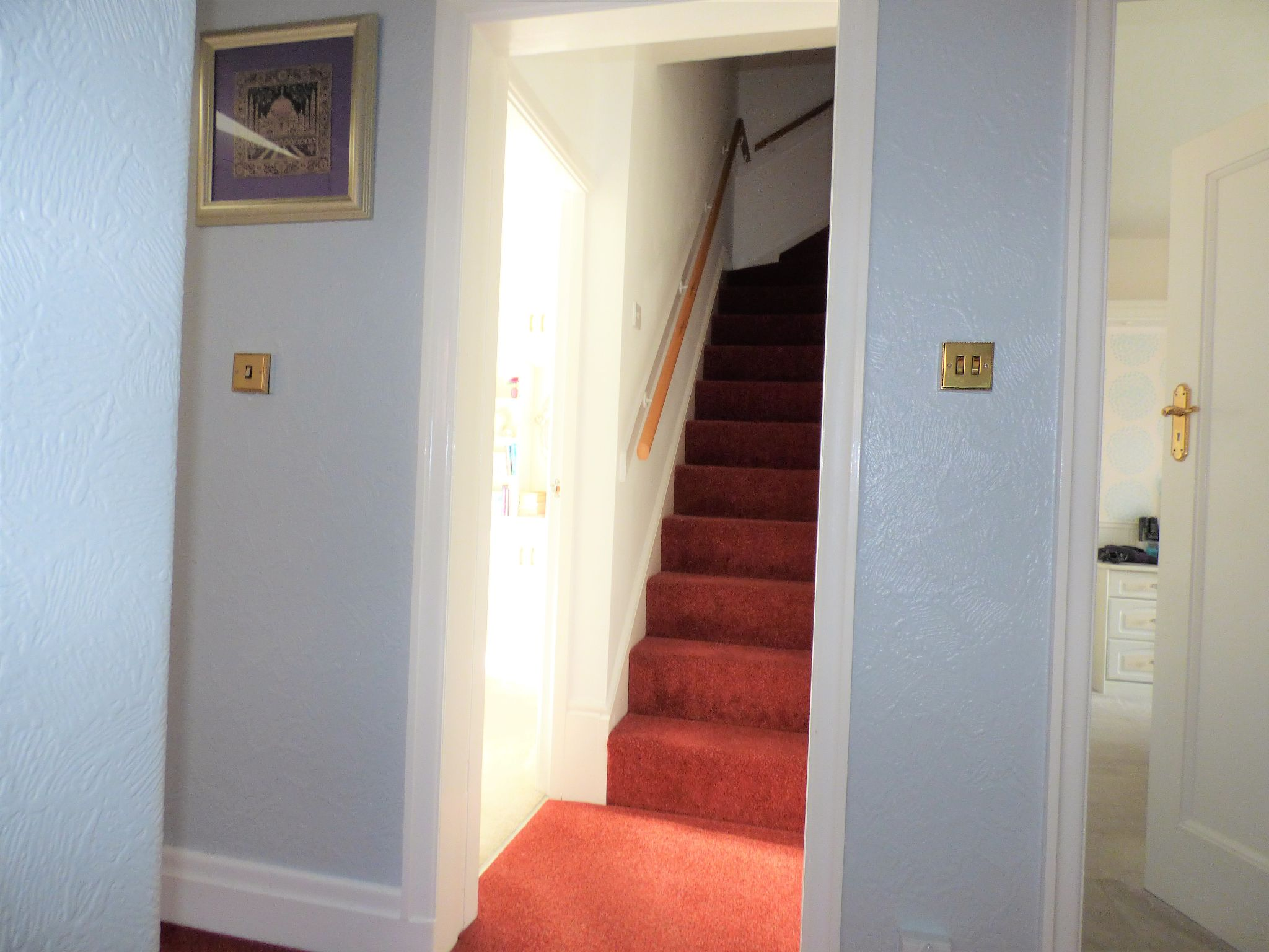 4 Bedroom Semi-detached House For Sale - Photograph 9