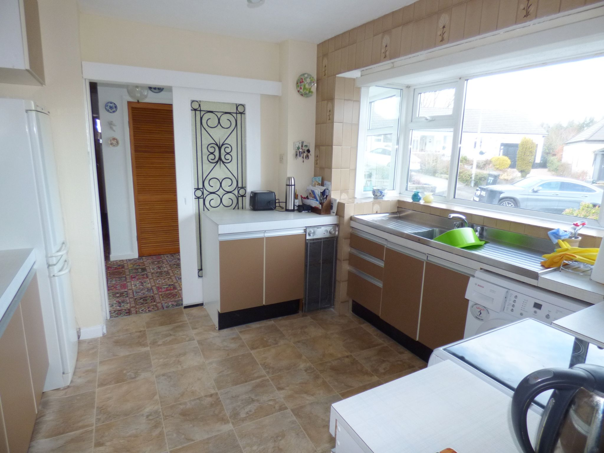 3 Bedroom Detached Bungalow For Sale - Kitchen