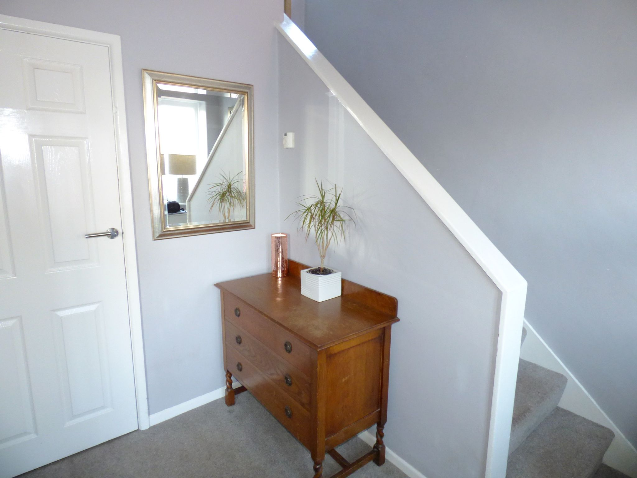 3 Bedroom Semi-detached House For Sale - Hall