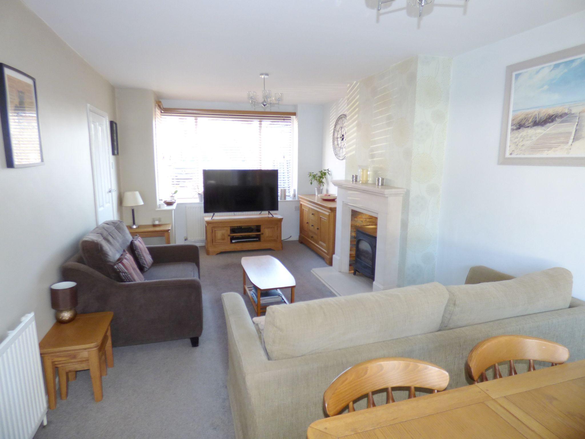 3 Bedroom Semi-detached House For Sale - Living Room