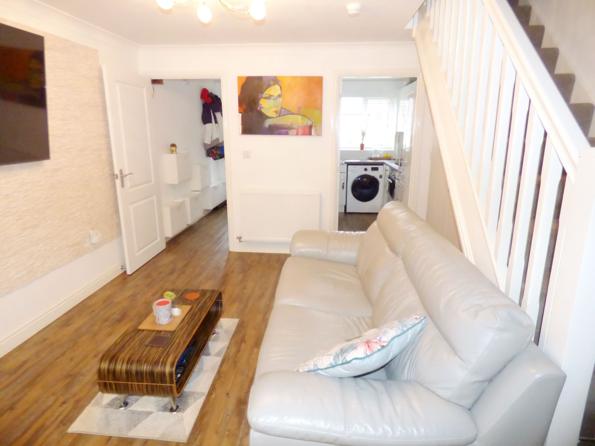 2 Bedroom End Terraced House For Sale - Lounge
