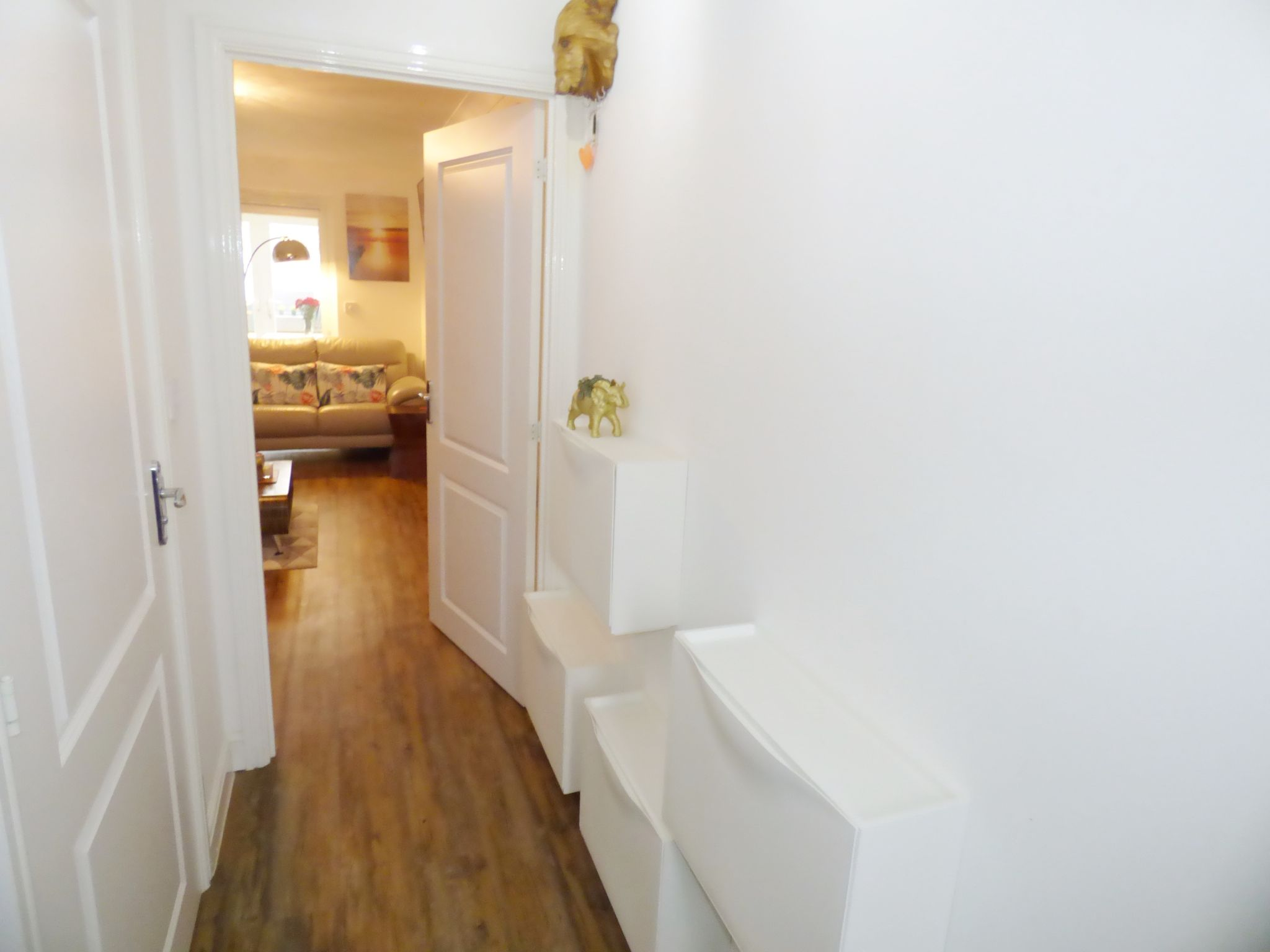 2 Bedroom End Terraced House For Sale - Hallway