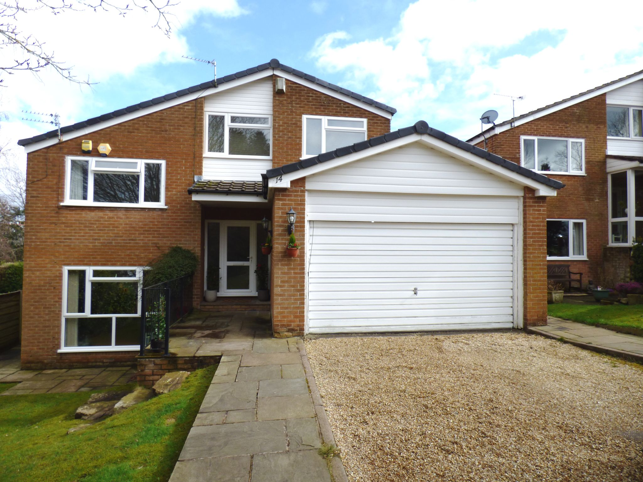 5 Bedroom Detached House For Sale - Front External