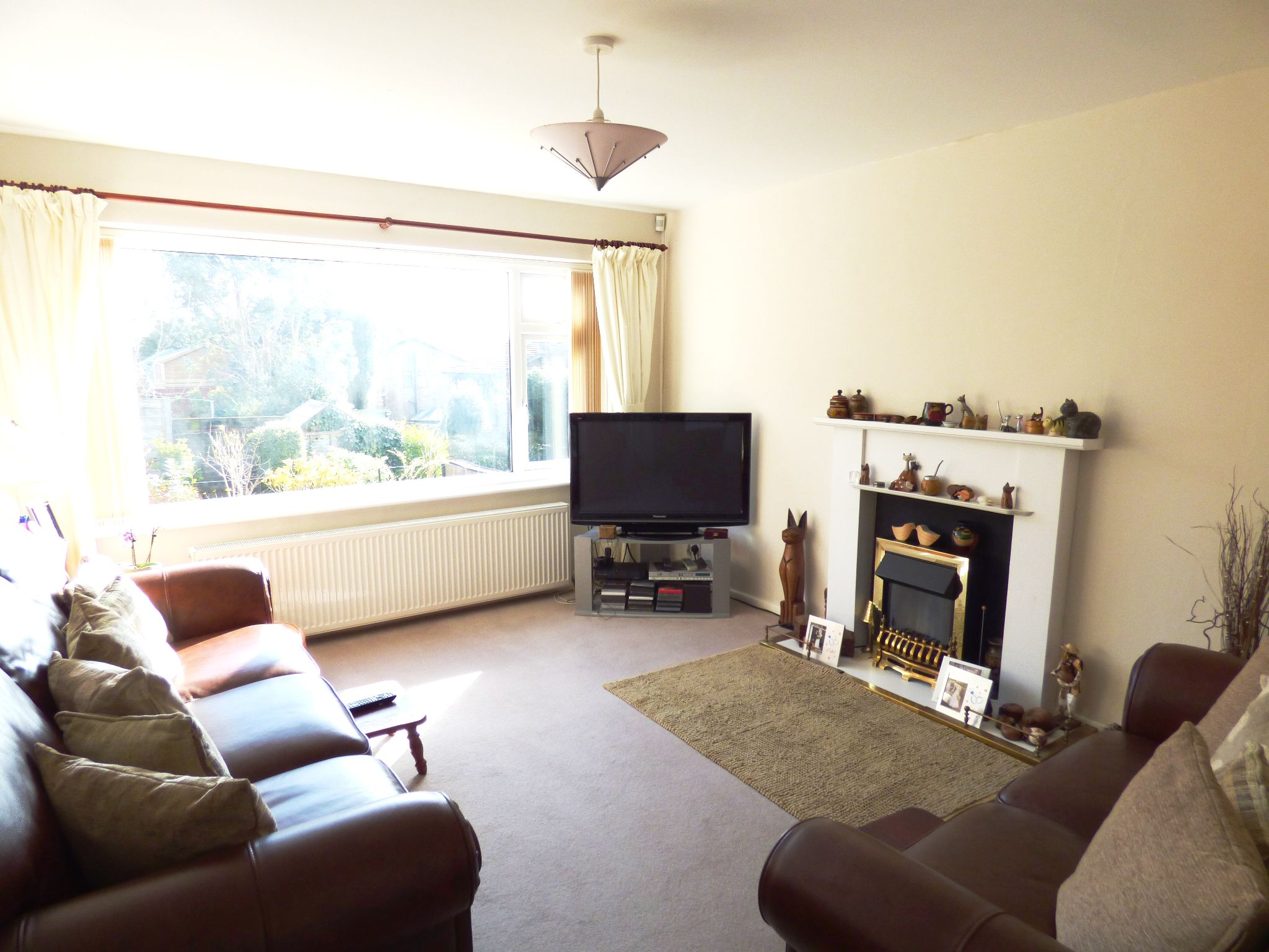 4 Bedroom Detached House For Sale - Lounge