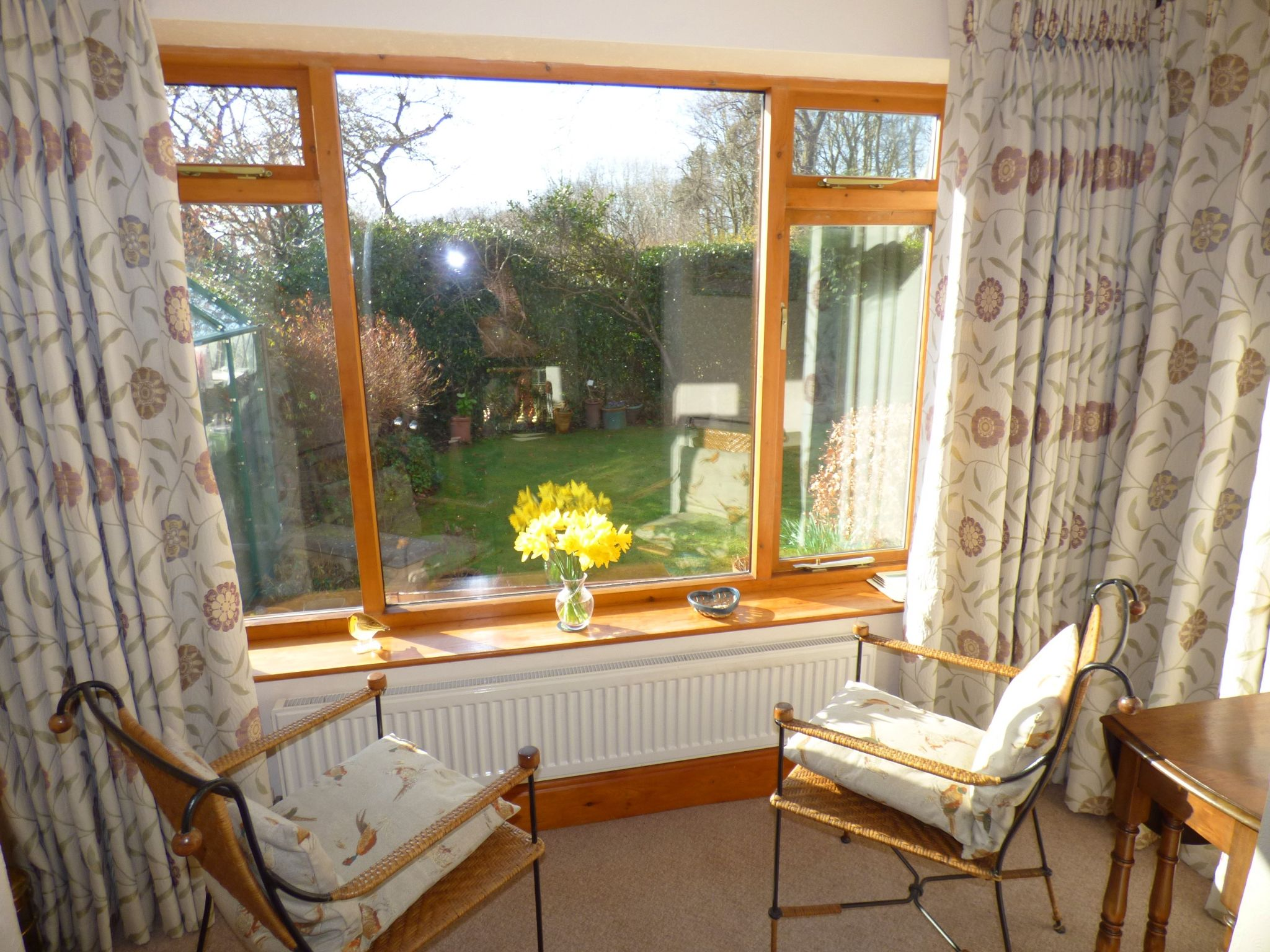 3 Bedroom Detached House For Sale - Sun Room
