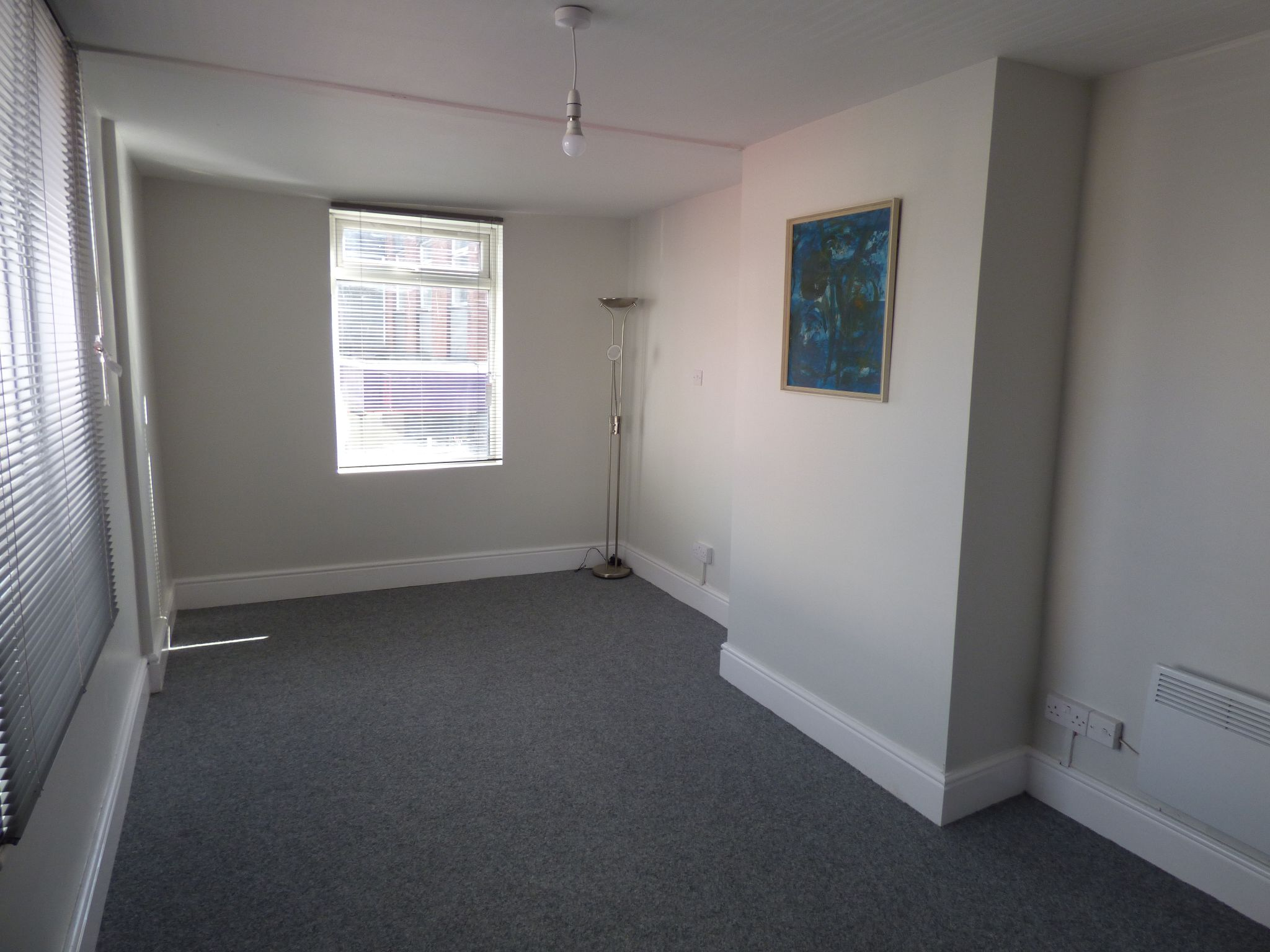Office To Rent - Photograph 3
