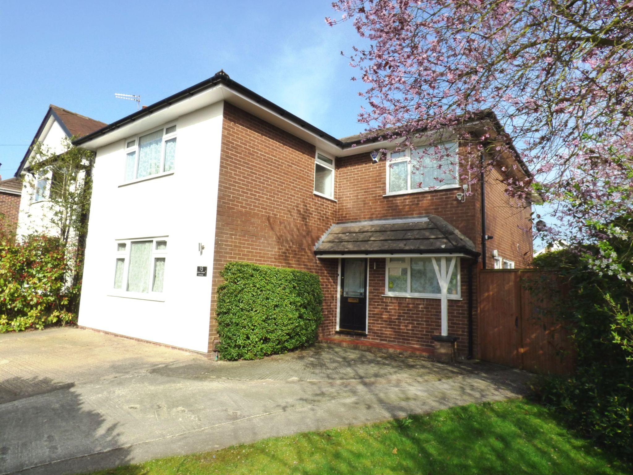 4 Bedroom Detached House For Sale - Front External