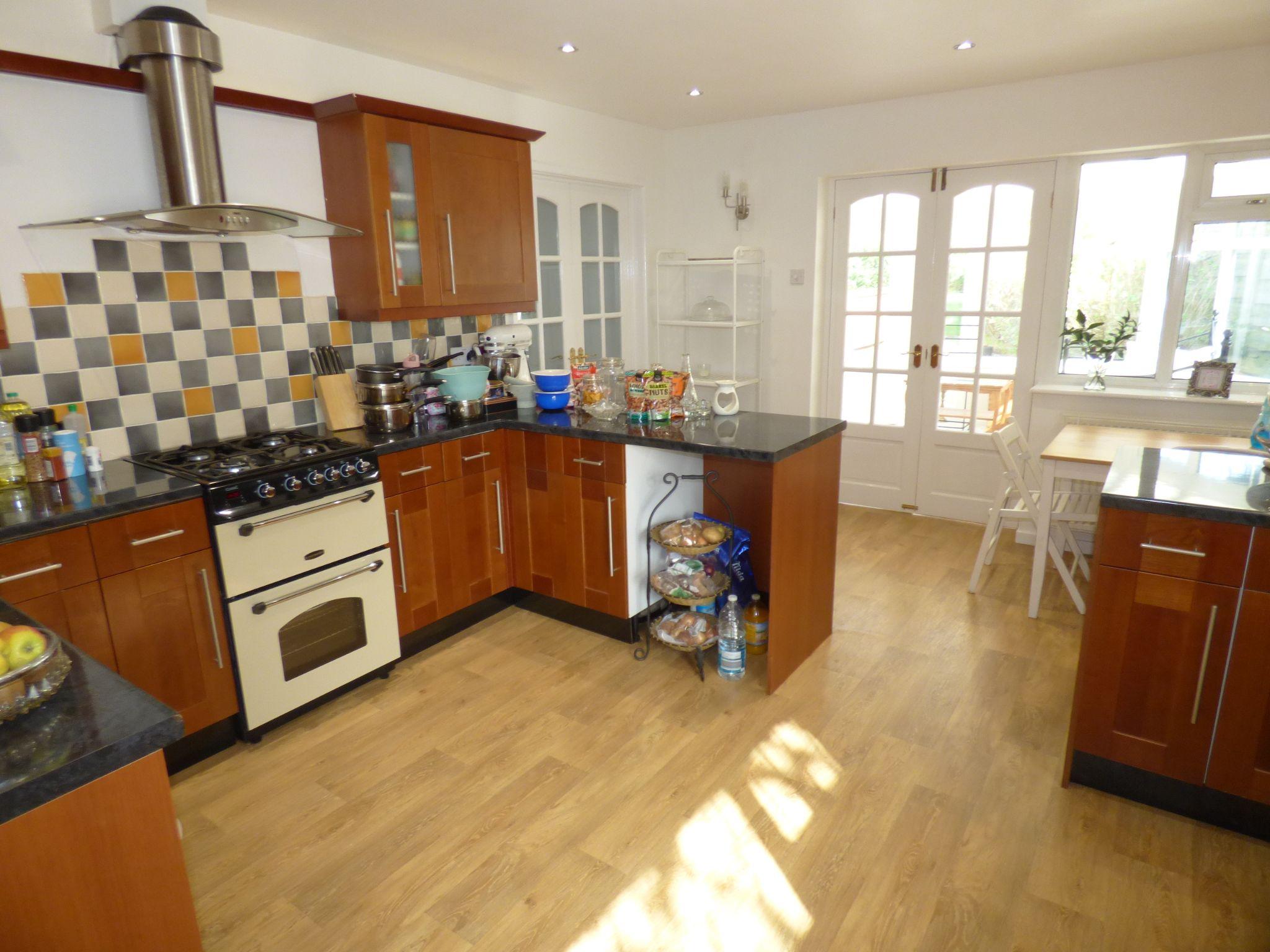 4 Bedroom Detached House For Sale - Kitchen