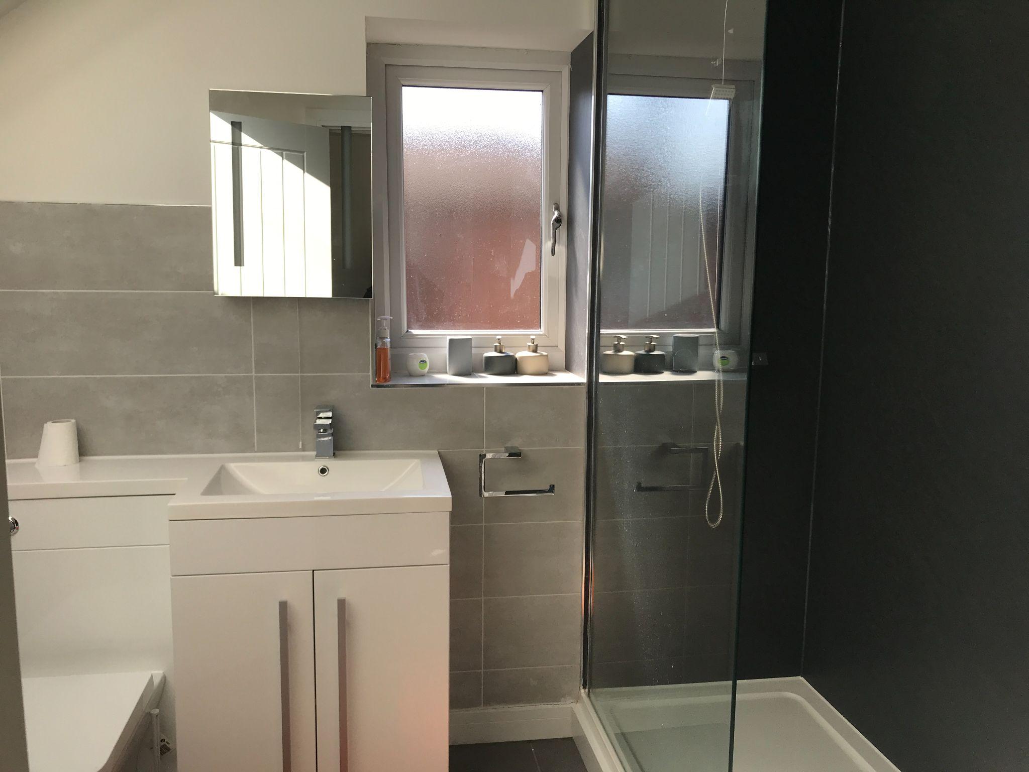 2 Bedroom Apartment Flat/apartment - Photograph 4