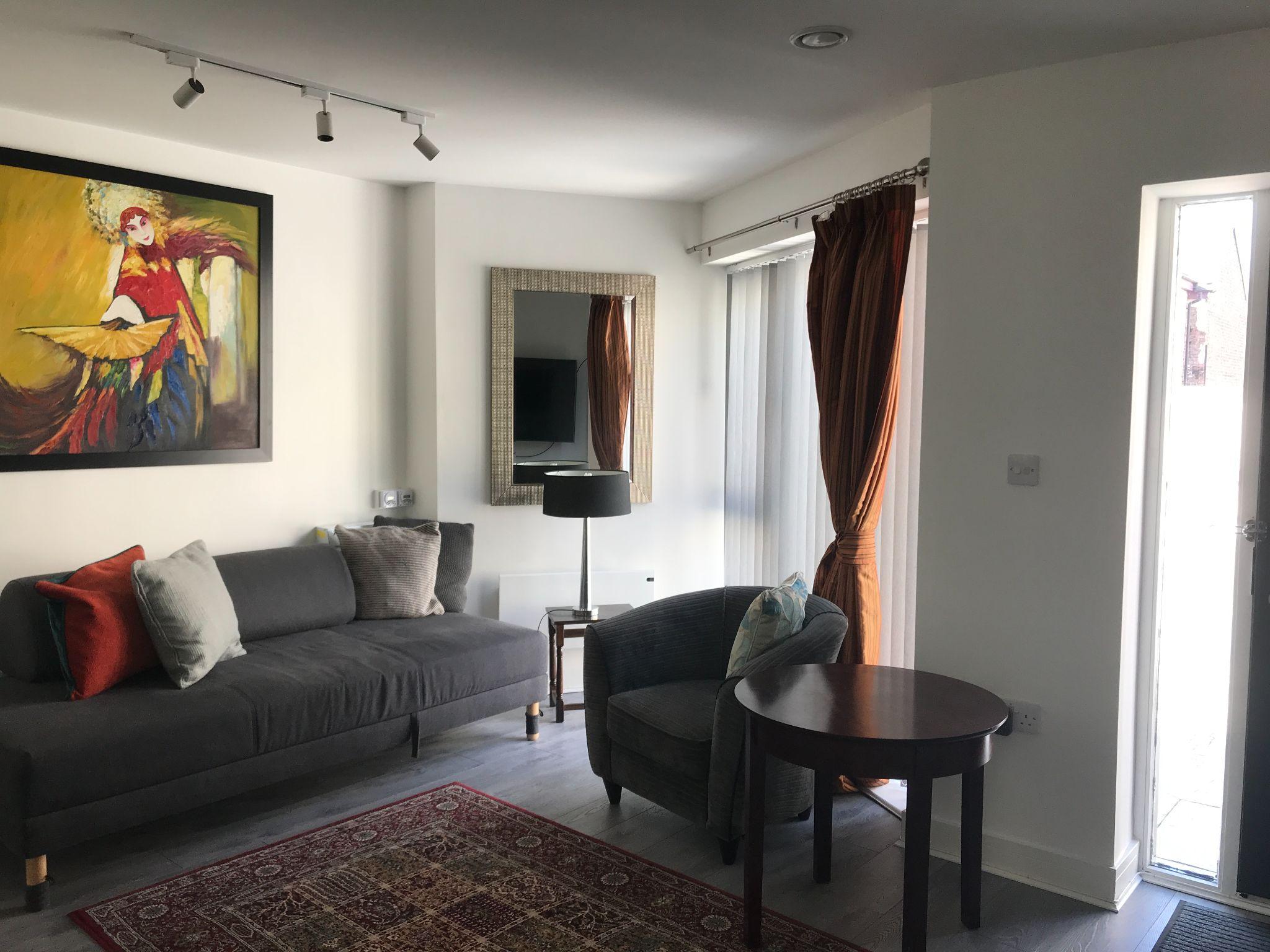 2 Bedroom Apartment Flat/apartment - Photograph 3