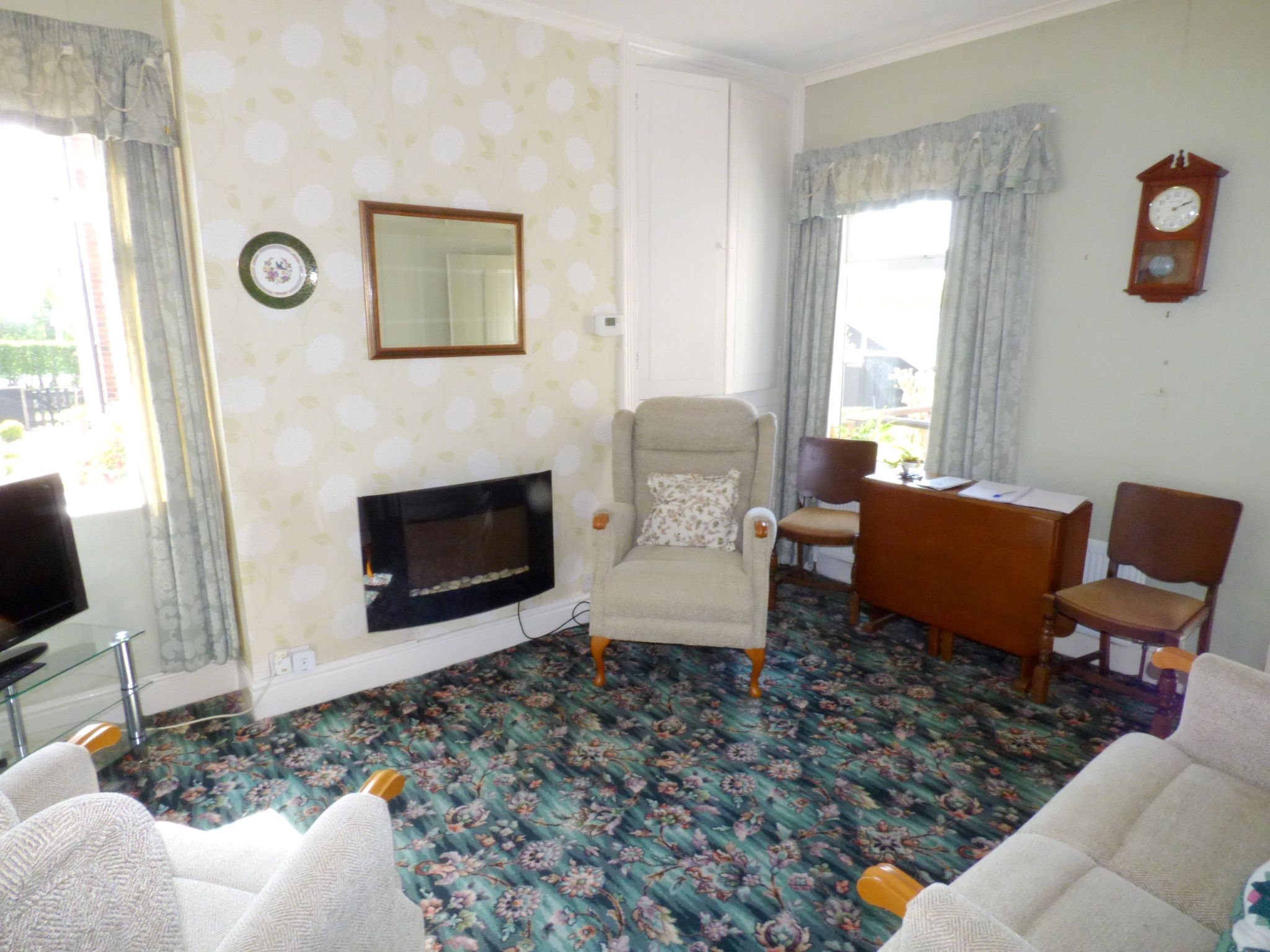 2 Bedroom Semi-detached House For Sale - Lounge