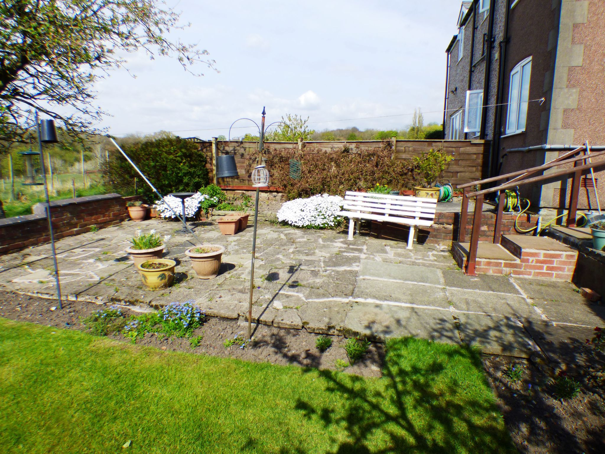 2 Bedroom Semi-detached House For Sale - Garden