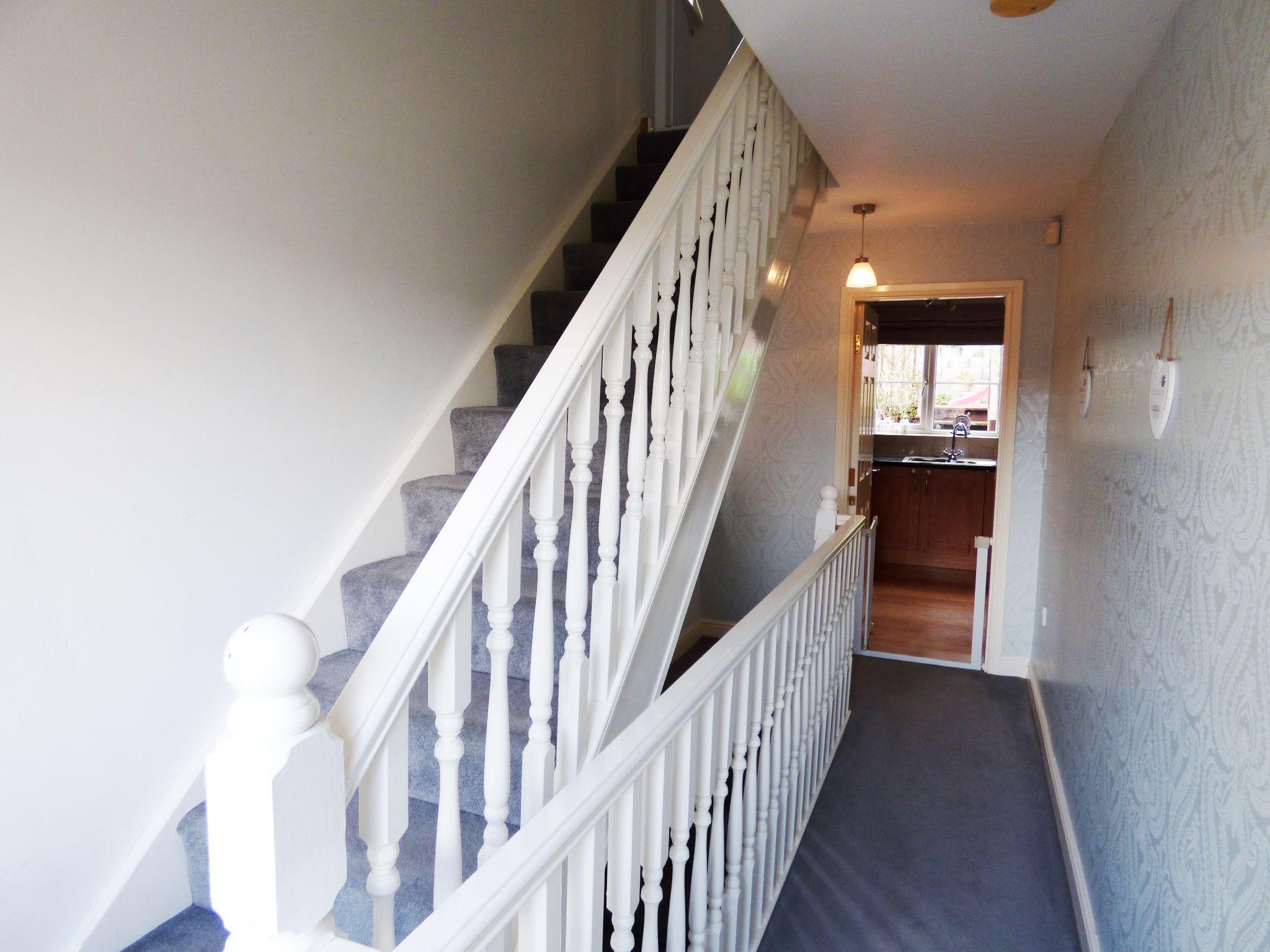 4 Bedroom Semi-detached House For Sale - Landing