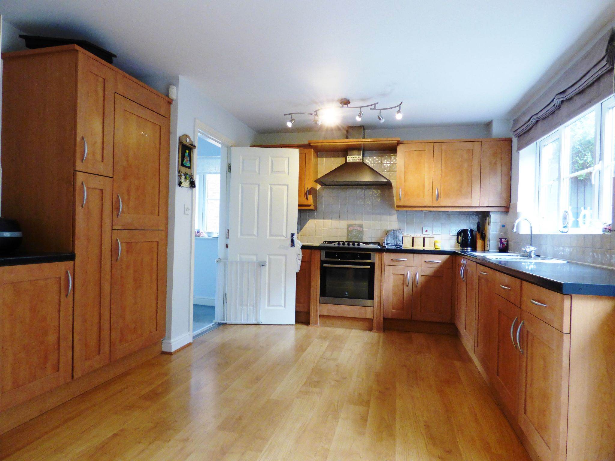 4 Bedroom Semi-detached House For Sale - Dining Kitchen