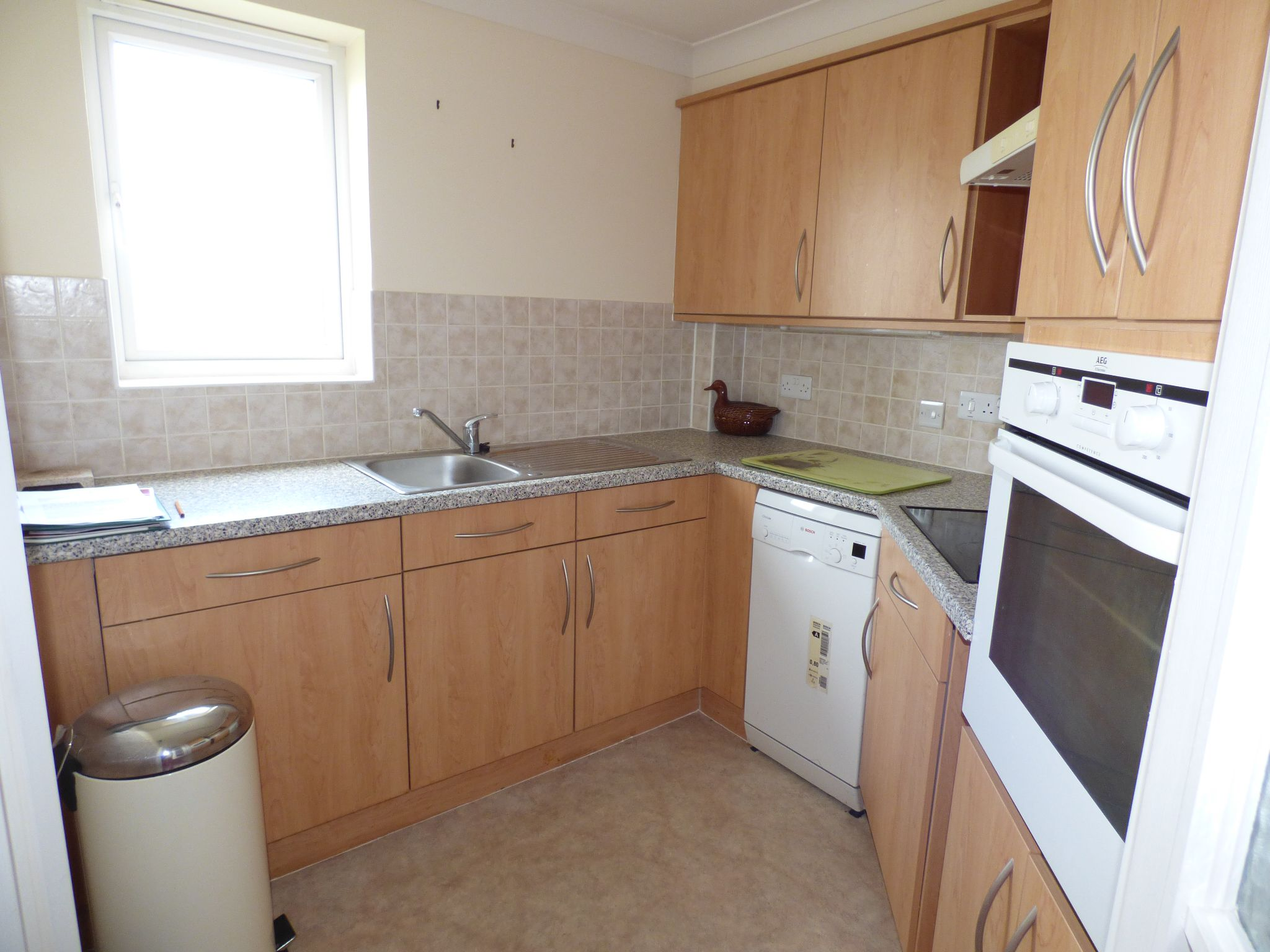 1 Bedroom Apartment Flat/apartment For Sale - Photograph 6