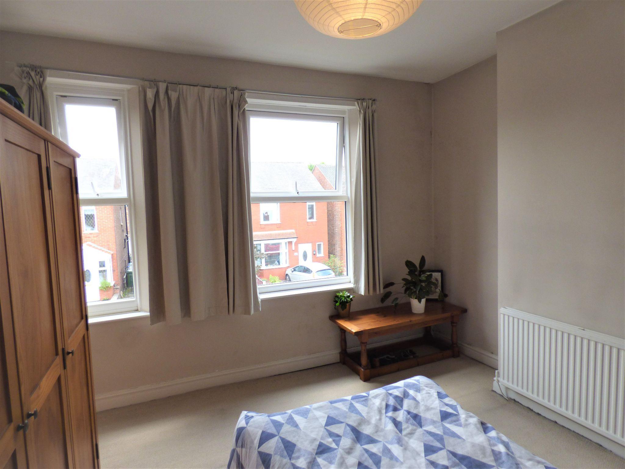 2 Bedroom Semi-detached House For Sale - Front Bedroom