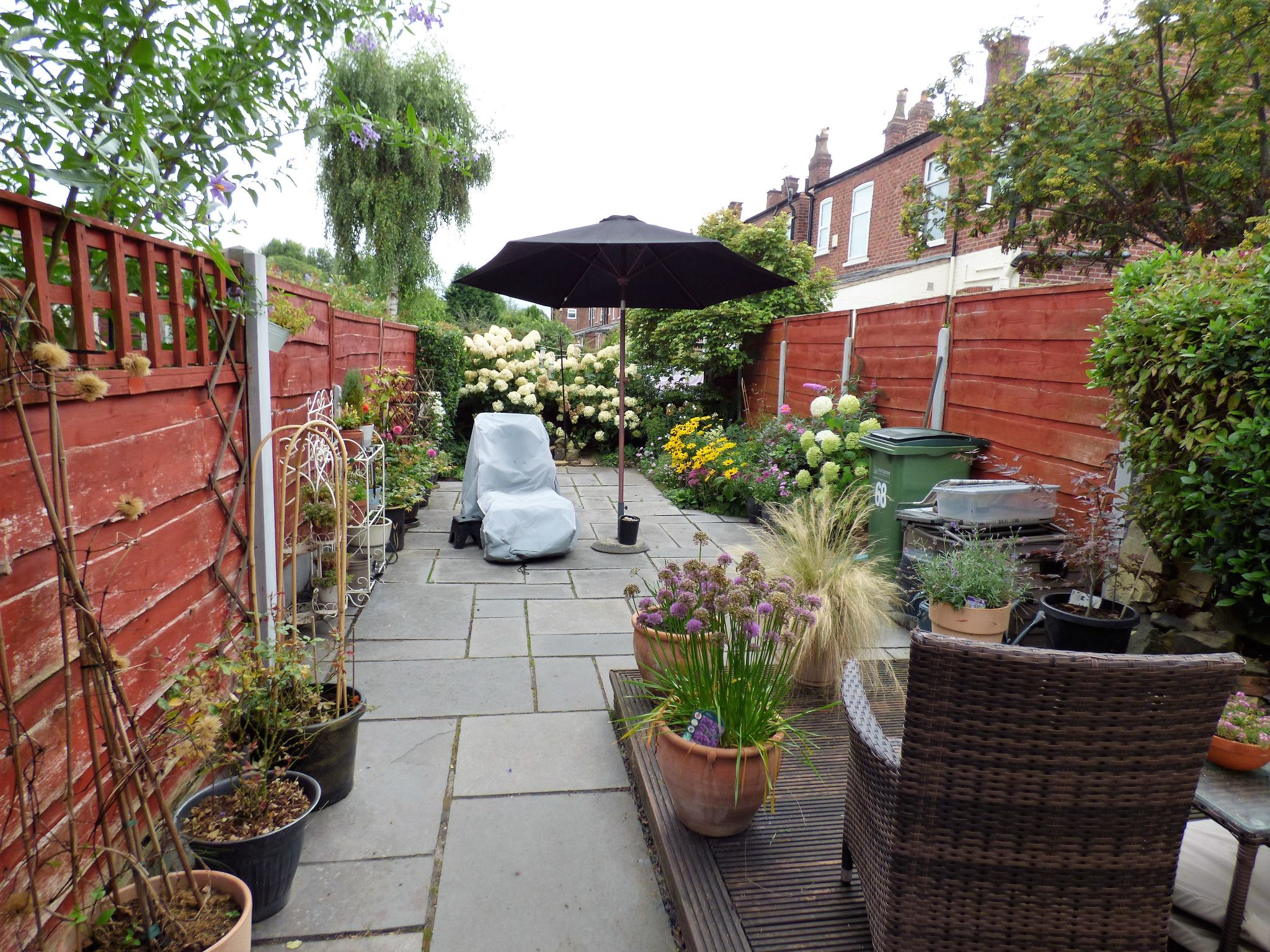 2 Bedroom Mid Terraced House For Sale - Photograph 11