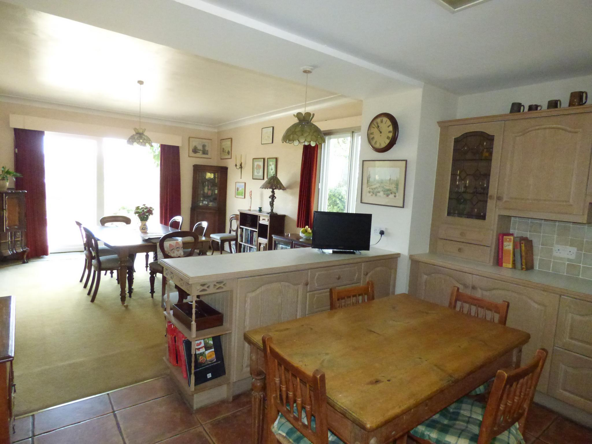 7 Bedroom Detached House For Sale - Photograph 26