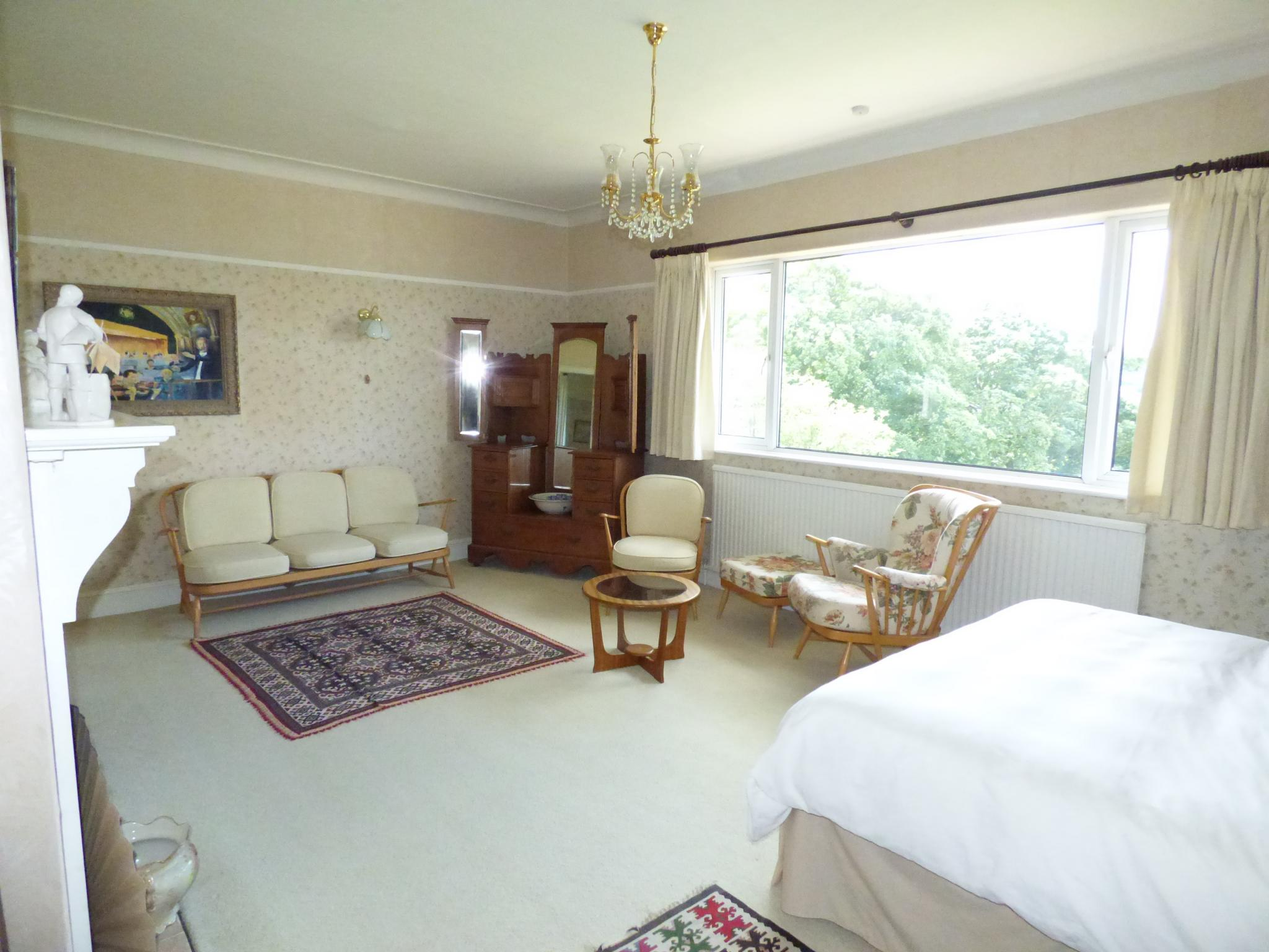 7 Bedroom Detached House For Sale - Photograph 32