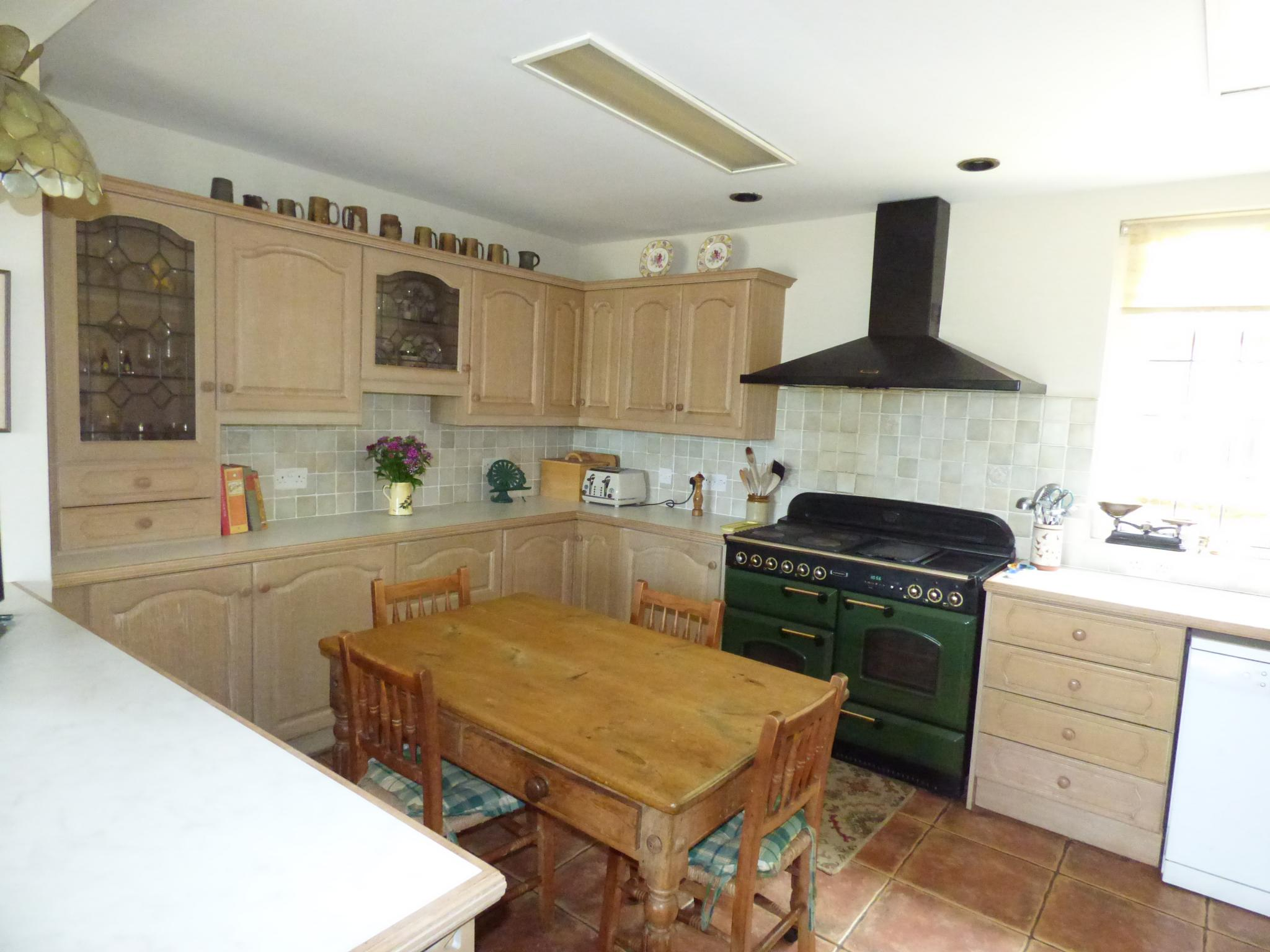 7 Bedroom Detached House For Sale - Photograph 25
