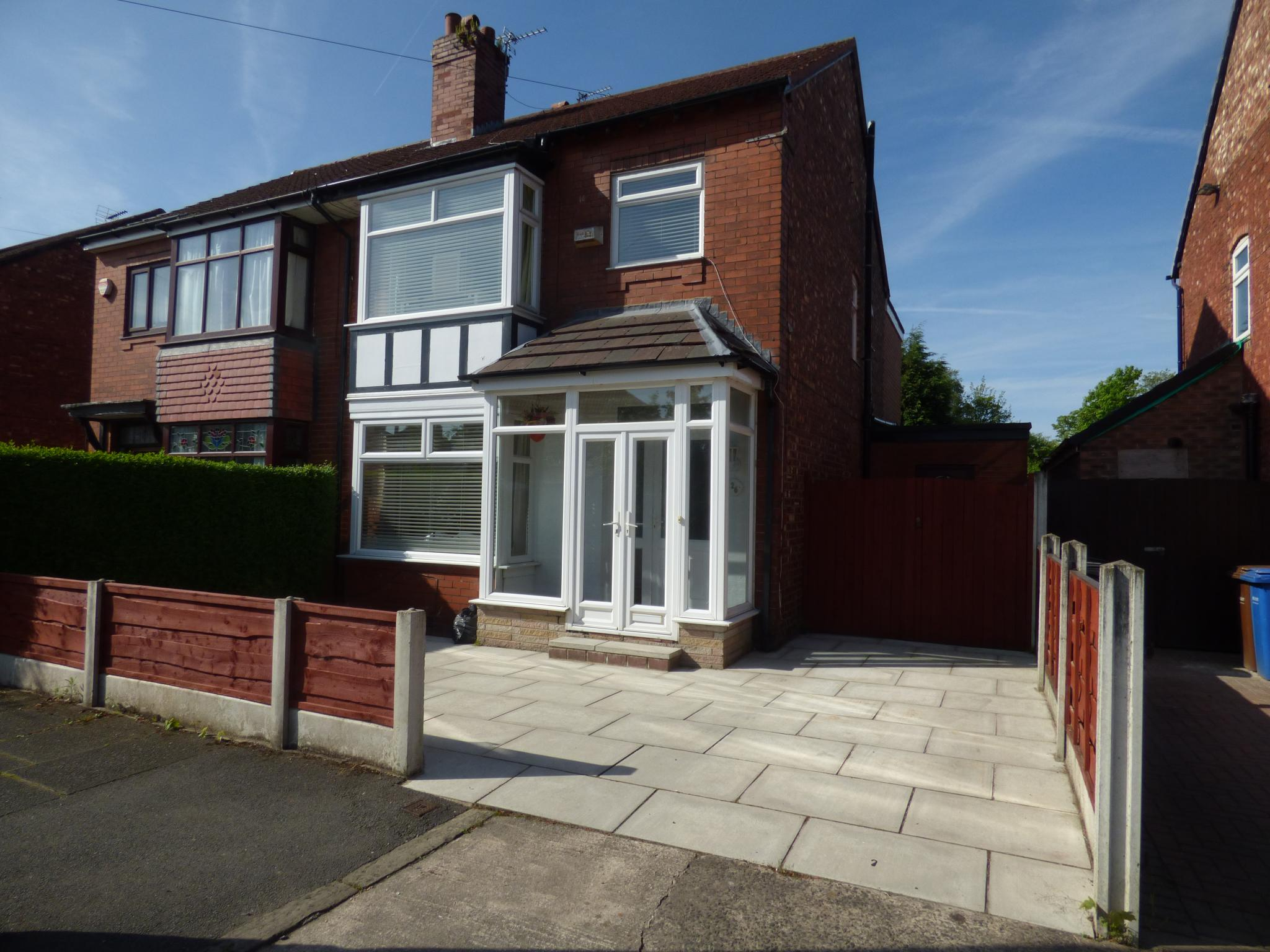 20 bedroom house. 4 Bedroom Semi detached House For Sale  Photograph 20 in 26 Akesmoor Drive