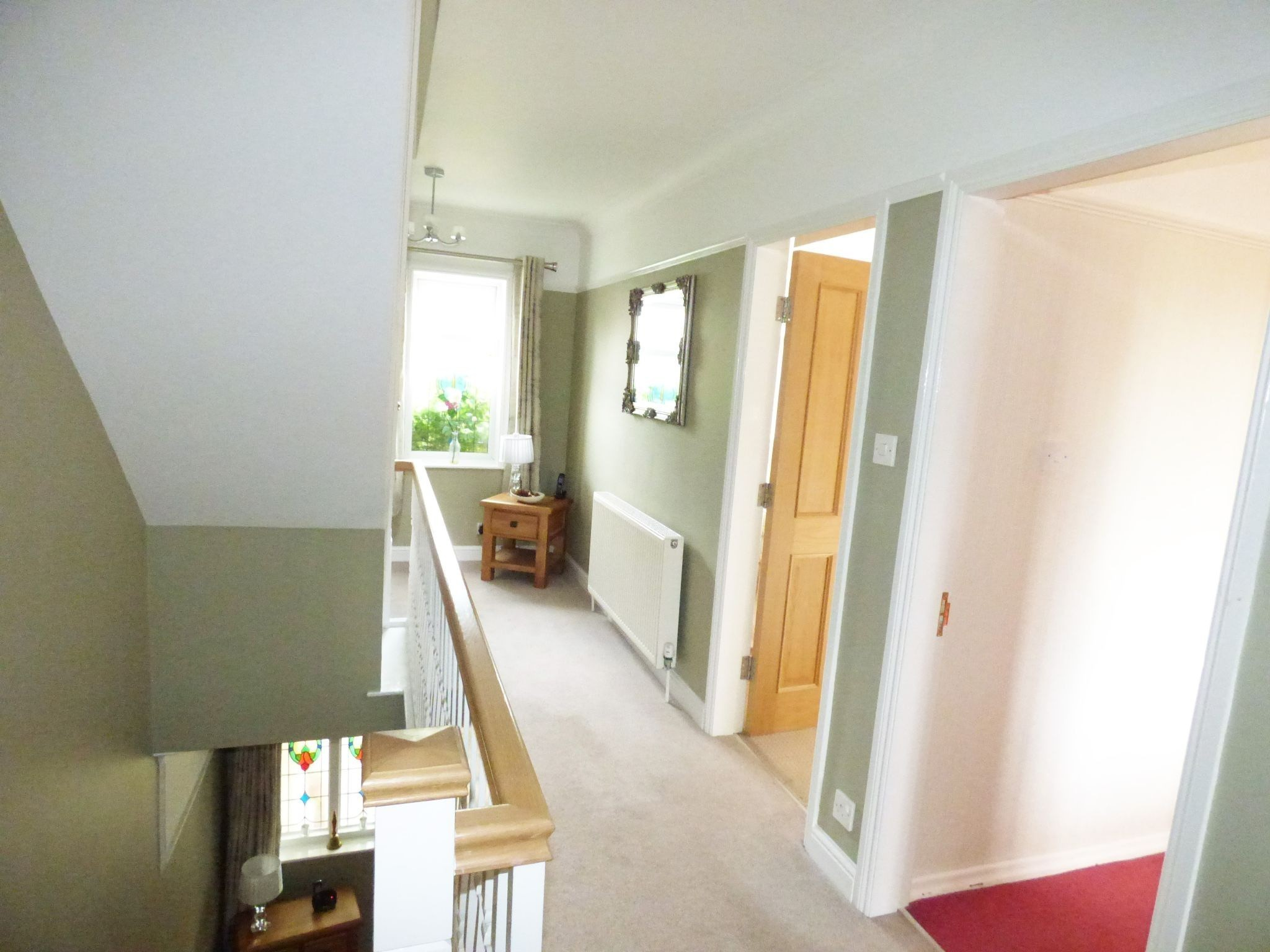 5 Bedroom Detached House For Sale - Photograph 9