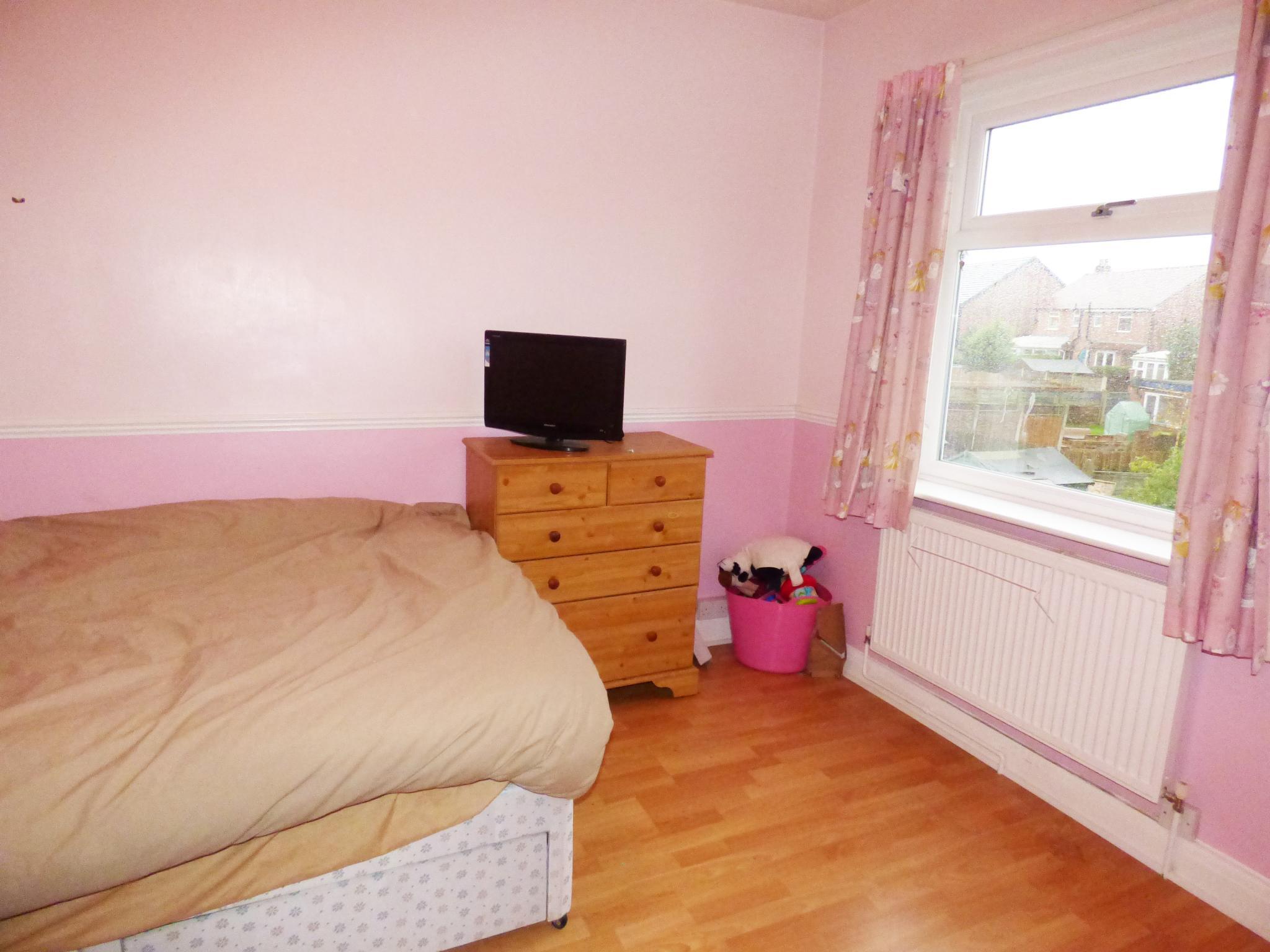 2 Bedroom Mid Terraced House For Sale In 27 Chapel Street