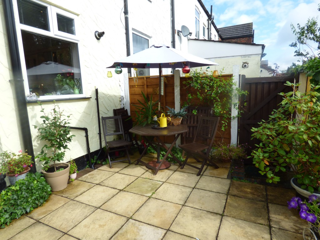 2 Bedroom End Terraced House For Sale in 74 Cherry Tree Lane ... on